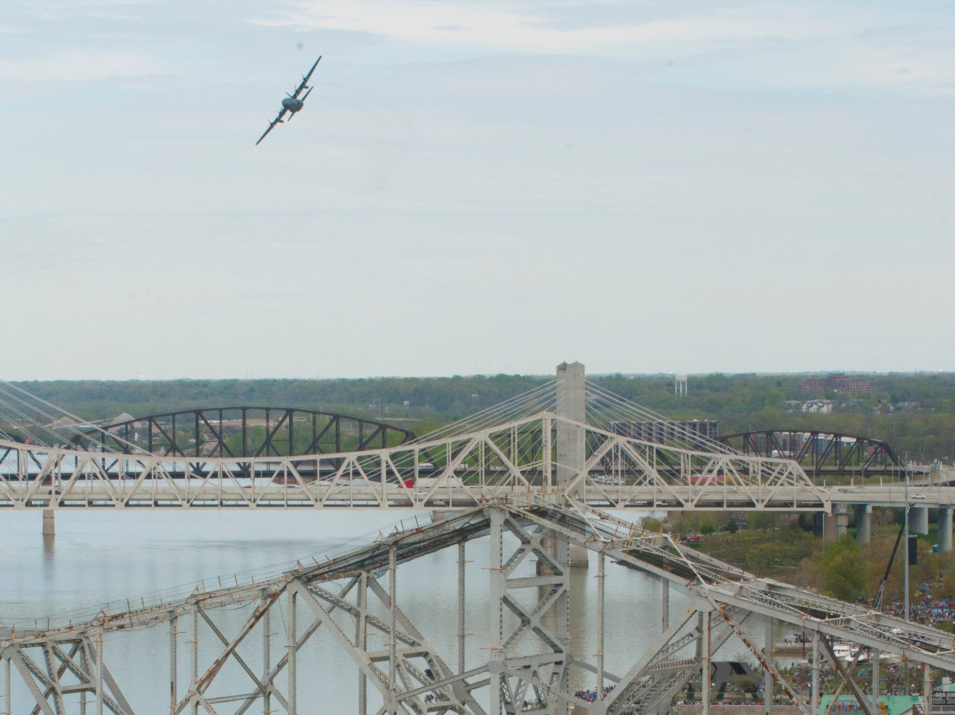 Canadian CH-130 flies over the I-65 bridges at the 2019 Thunder Over Louisville Air Show.13 April 2019