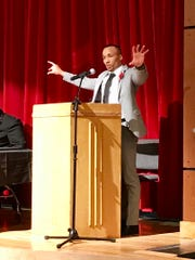 Da'Vell Winters speaks at his induction ceremony as part of the 2019 class of the Marion Harding High School Athletic Hall of Fame Friday night.