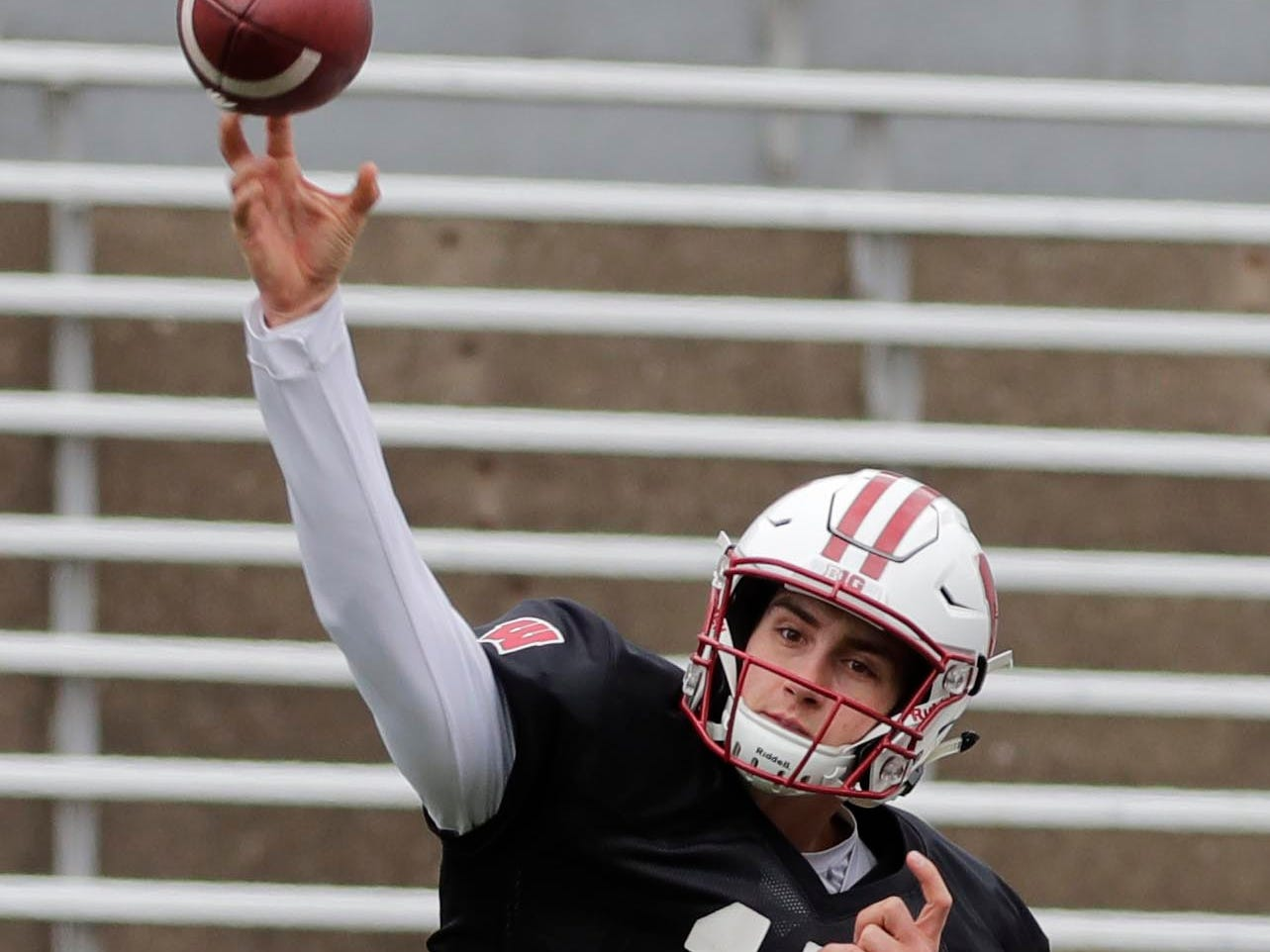 Wisconsin Badgers quarterback Danny Vanden Boom tosses a pass Saturday.