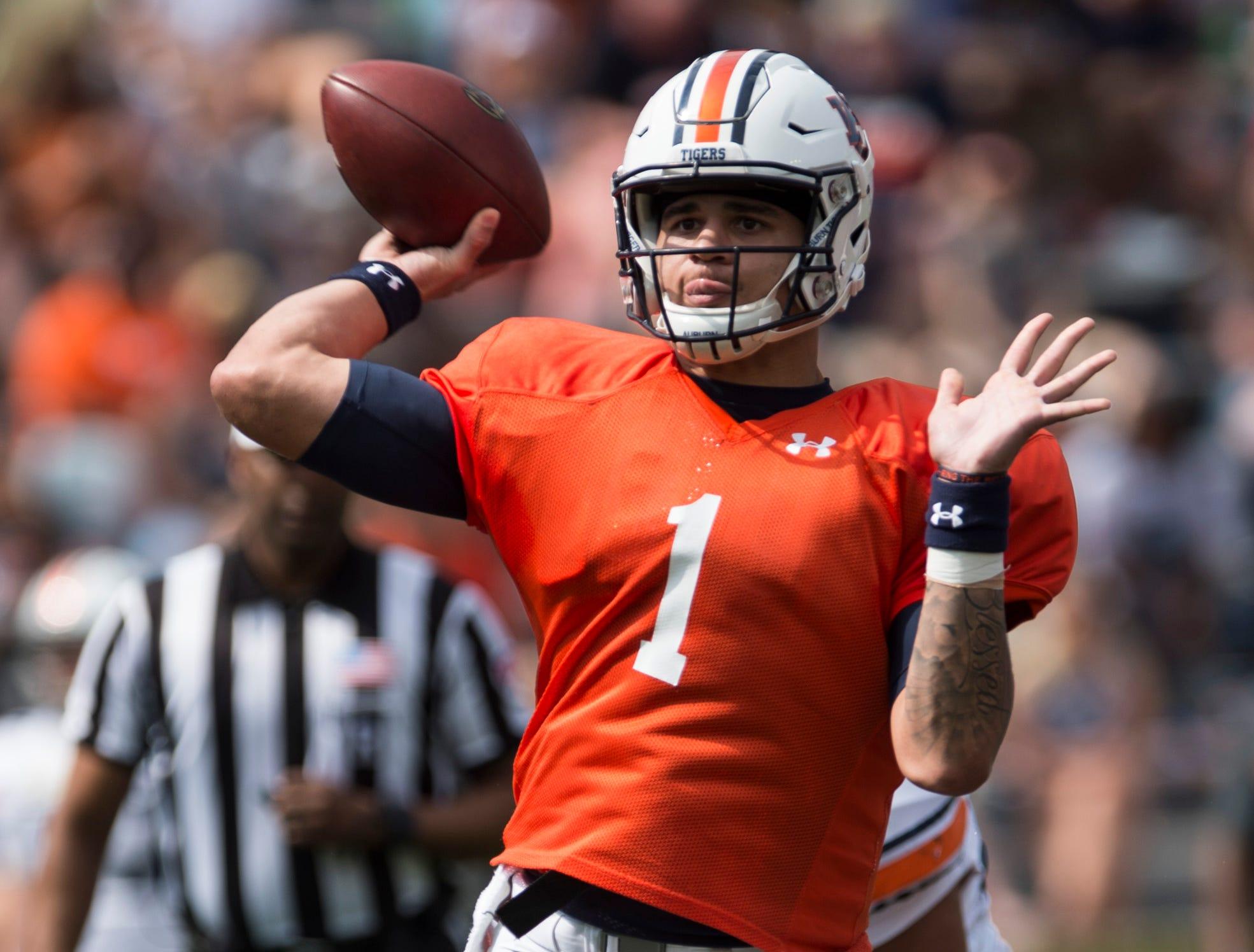 Auburn quarterback Joey Gatewood (1) throws the ball during the A-Day spring practice gameat Jordan-Hare Stadium in Auburn, Ala., on Saturday, April 13, 2019.