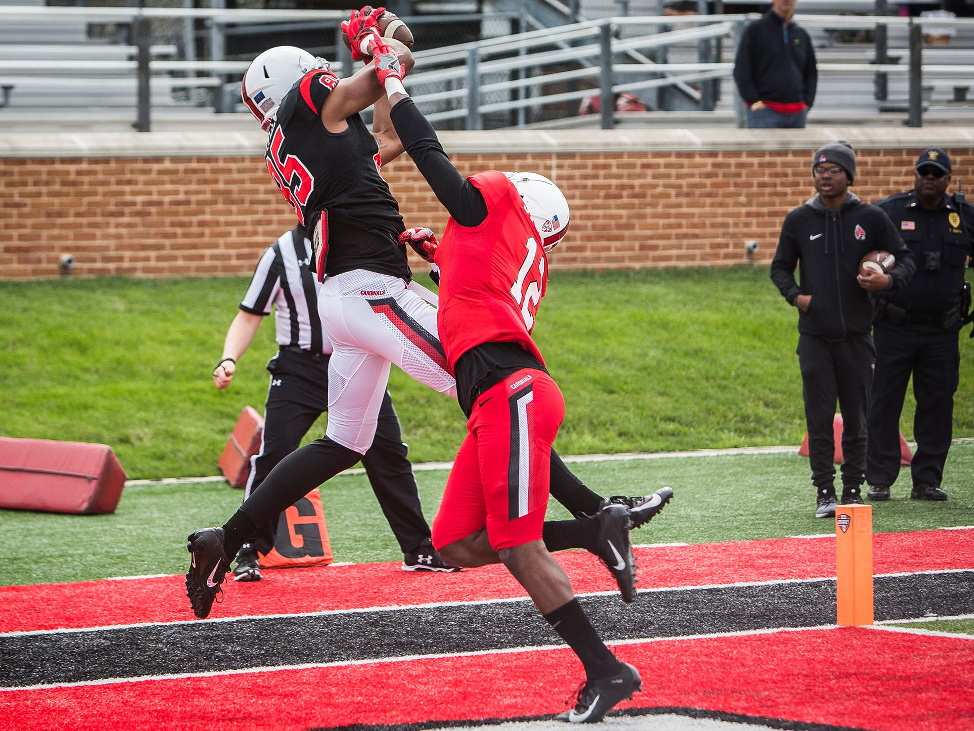 Ball State's Yo'Heinz Tyler makes a touchdown catch during the annual Spring Game at Scheumann Stadium Saturday, April 13, 2019.