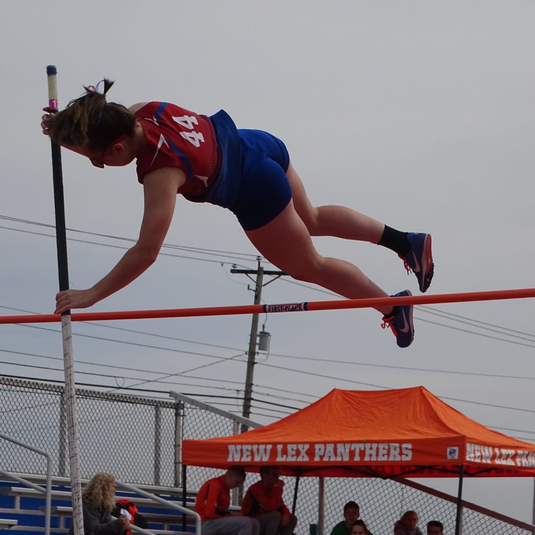 Lakewood's Ogg ready to sky to new heights in pole vault