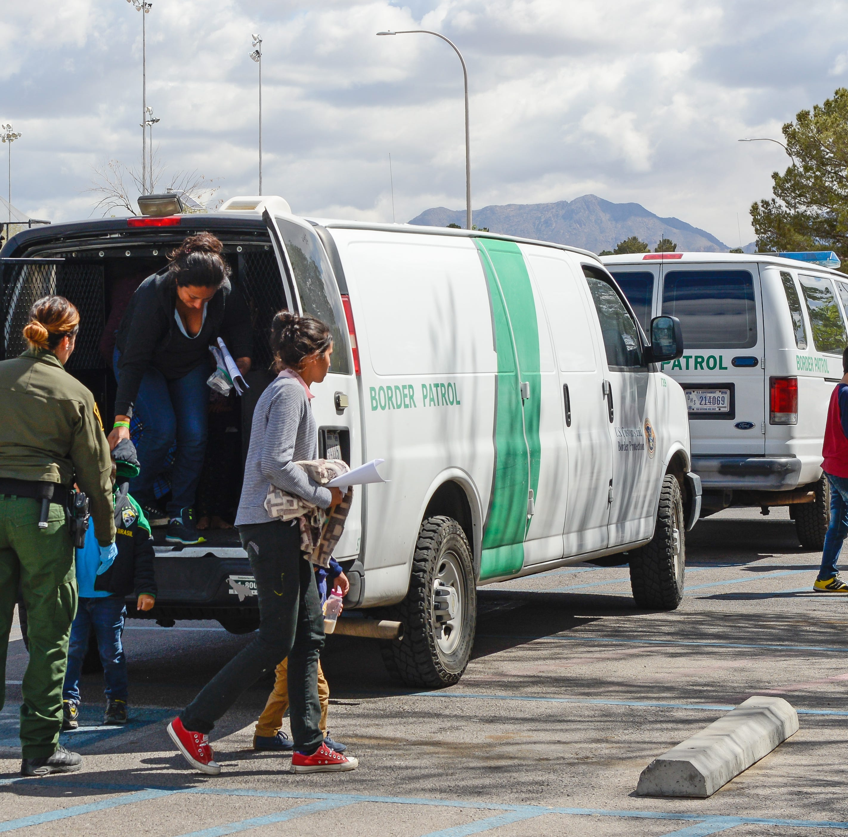Border Patrol migrant drop-offs in Las Cruces accelerate with no end in sight