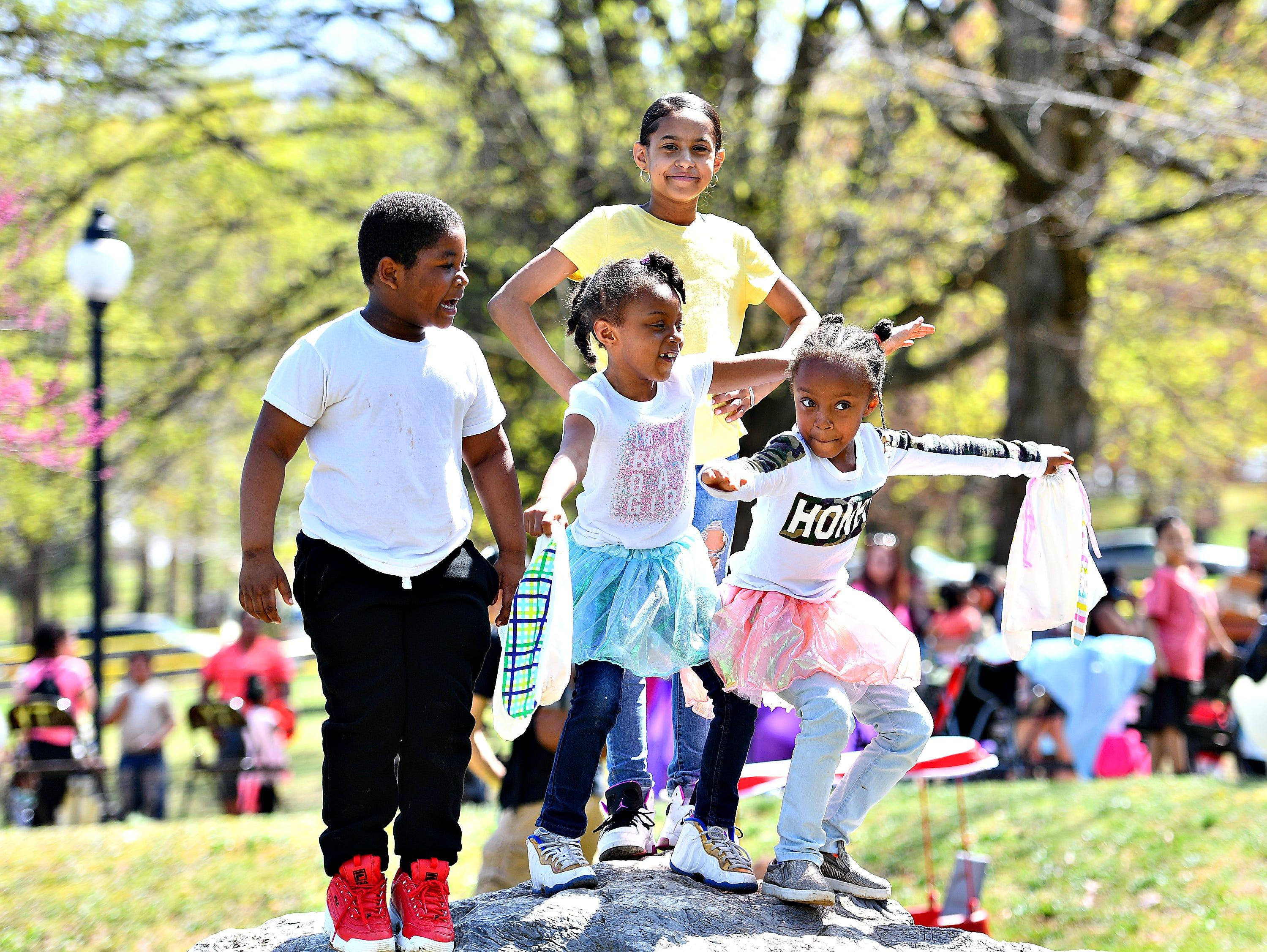 The 44th Annual York City Easter Egg Hunt at Kiwanis Lake in York City, Saturday, April 13, 2019. Dawn J. Sagert photo