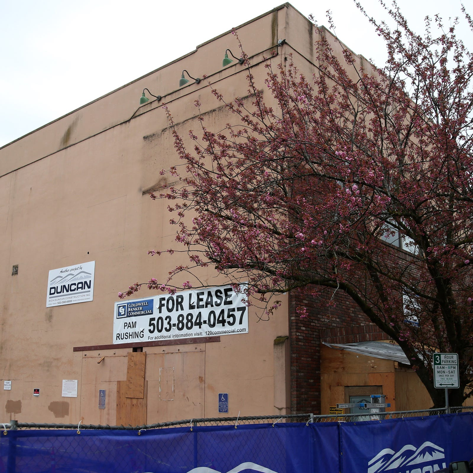What's happening at the former Old Spaghetti Warehouse location in Salem?