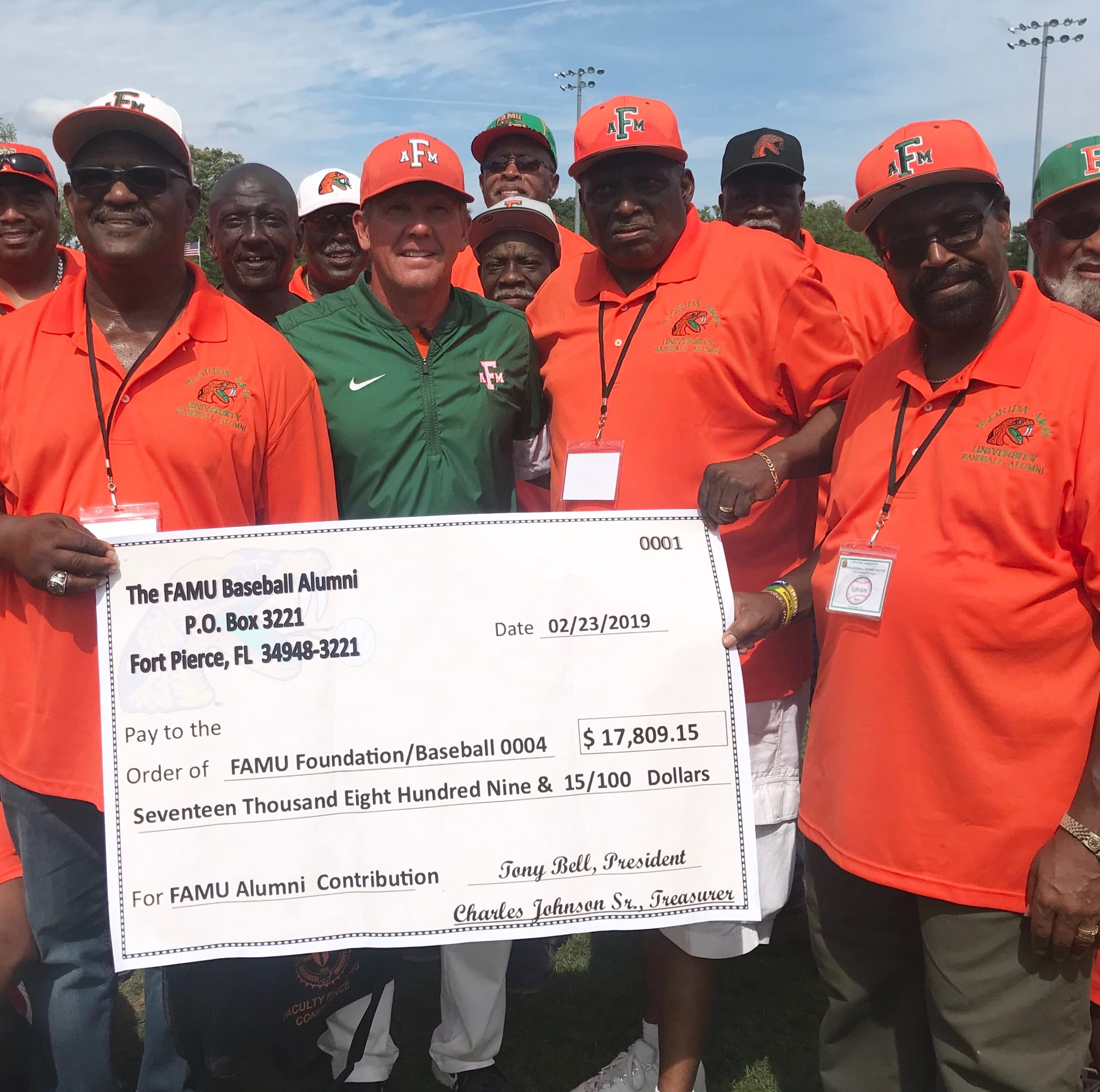 FAMU Baseball Alumni Association makes large donation to the program during reunion