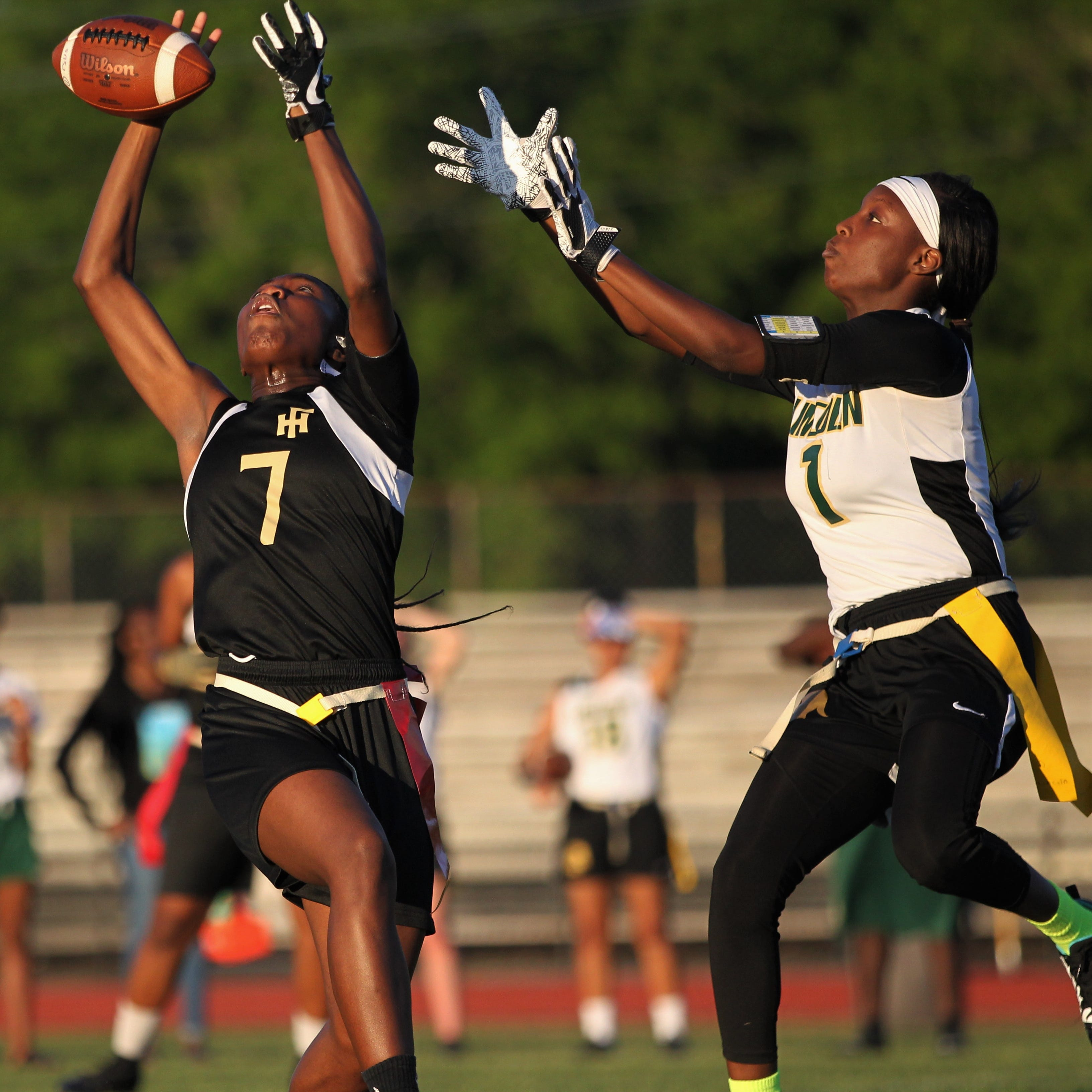 Lincoln upsets No. 6 Florida High, both teams make flag football district playoffs