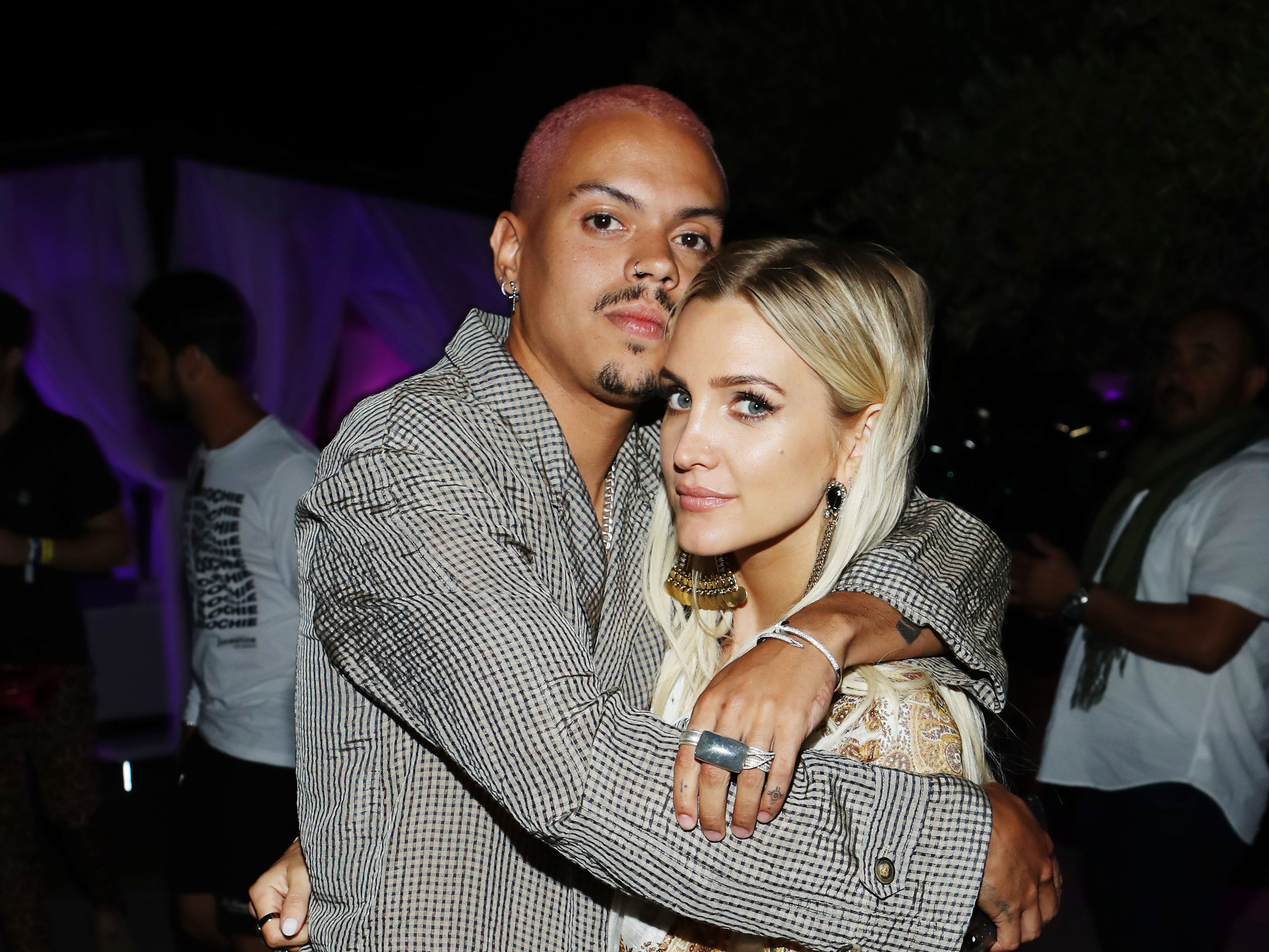BERMUDA DUNES, CALIFORNIA - APRIL 12: Evan Ross (L) and Ashlee Simpson attend NYLON's Midnight Garden Party At Coachella Presented By Ketel One Botanical on April 12, 2019 in Bermuda Dunes, California. (Photo by Rich Polk/Getty Images for Ketel One Botanical ) ORG XMIT: 775324403 ORIG FILE ID: 1142356033