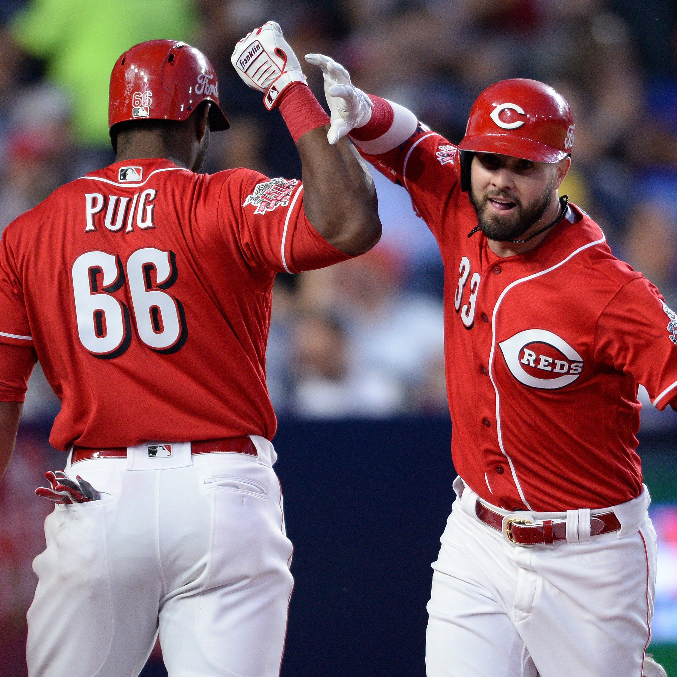 Jesse Winker, Derek Dietrich power Cincinnati Reds to win in Mexico against St. Louis Cardinals