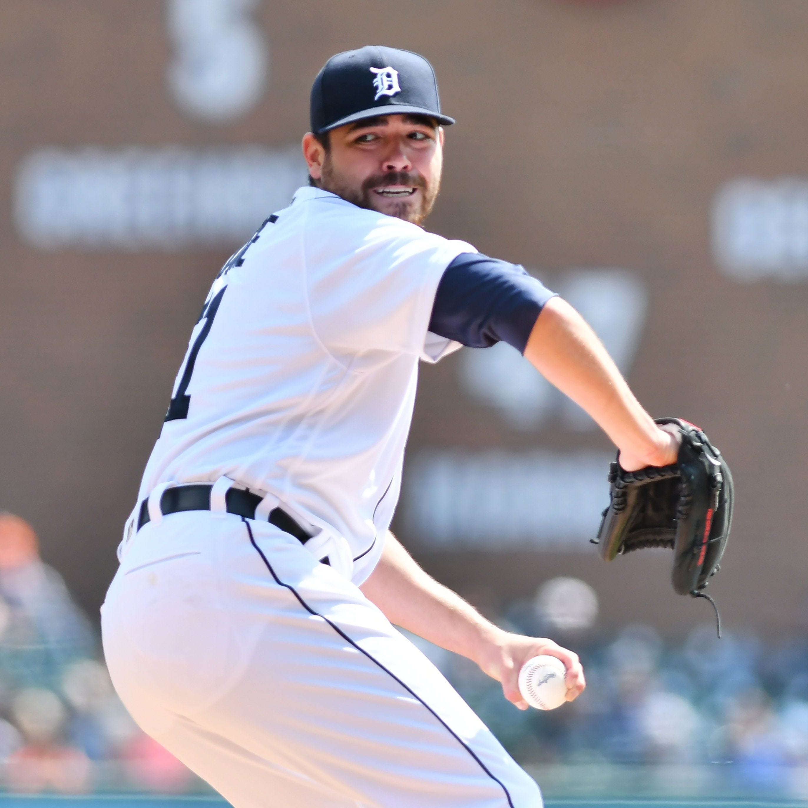 Matt Moore opts for surgery; Tigers recall Ronny Rodriguez to fill Jordy Mercer void