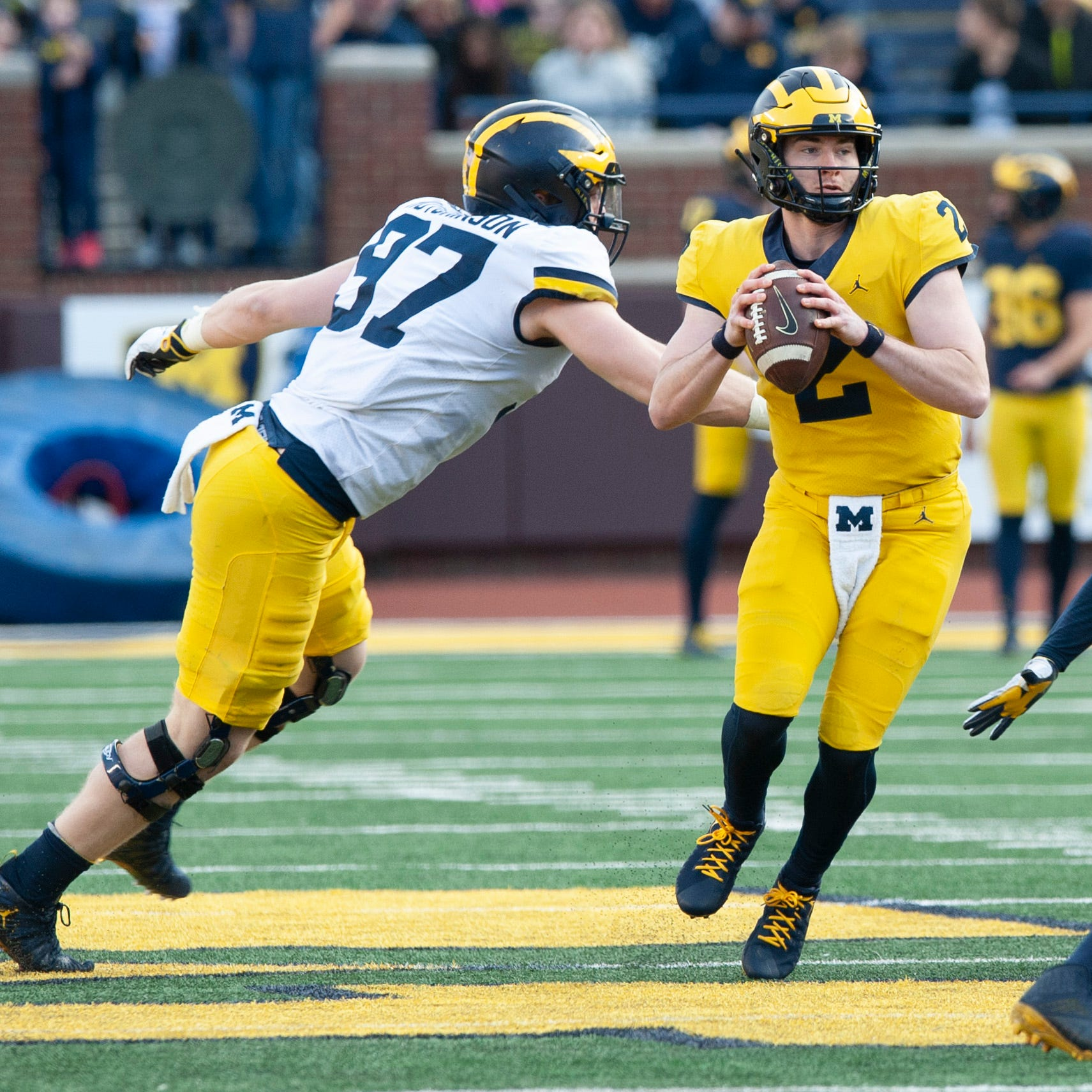 Michigan's 'mutt of a dog' offense likely to employ library of plays