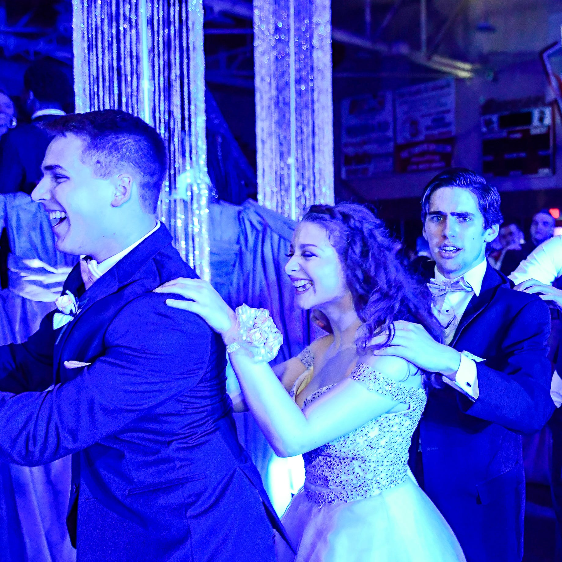 The 11 best photos from Henderson High School Prom 2019