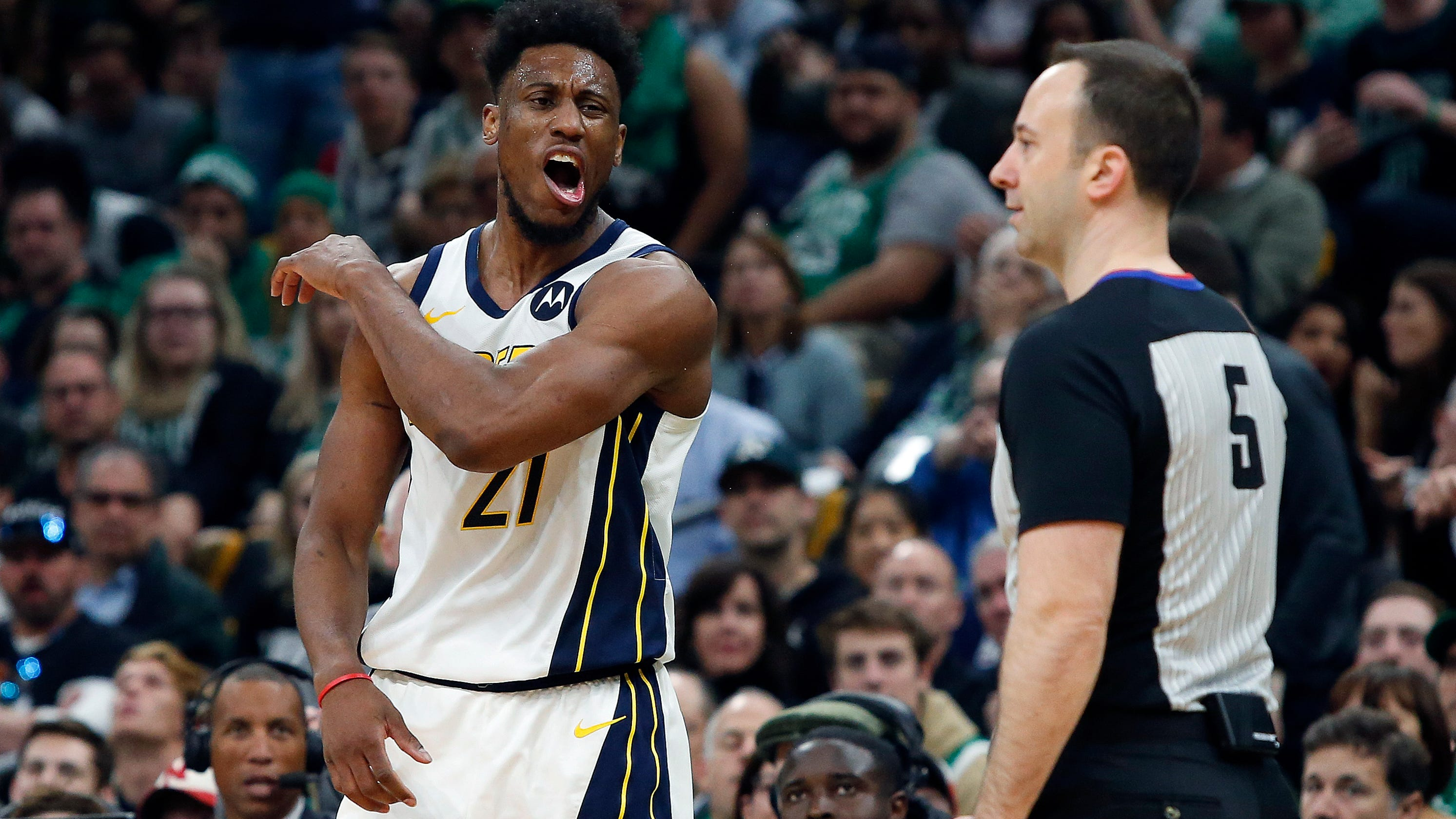9527a7442 Pacers can t score against Celtics in second half of Game 1 loss