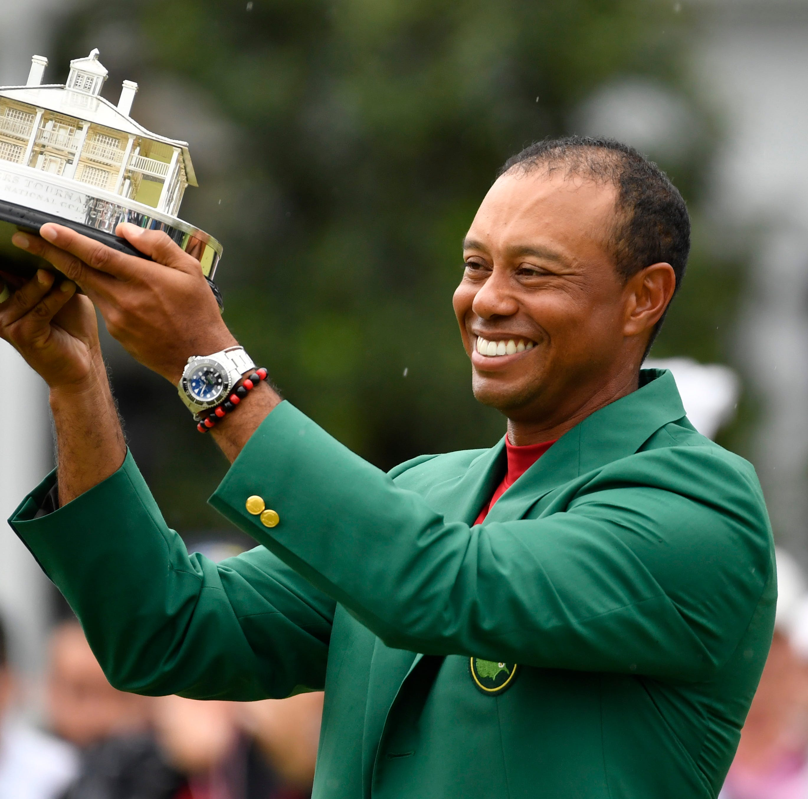 Like never before, Tiger Woods leaves us in awe
