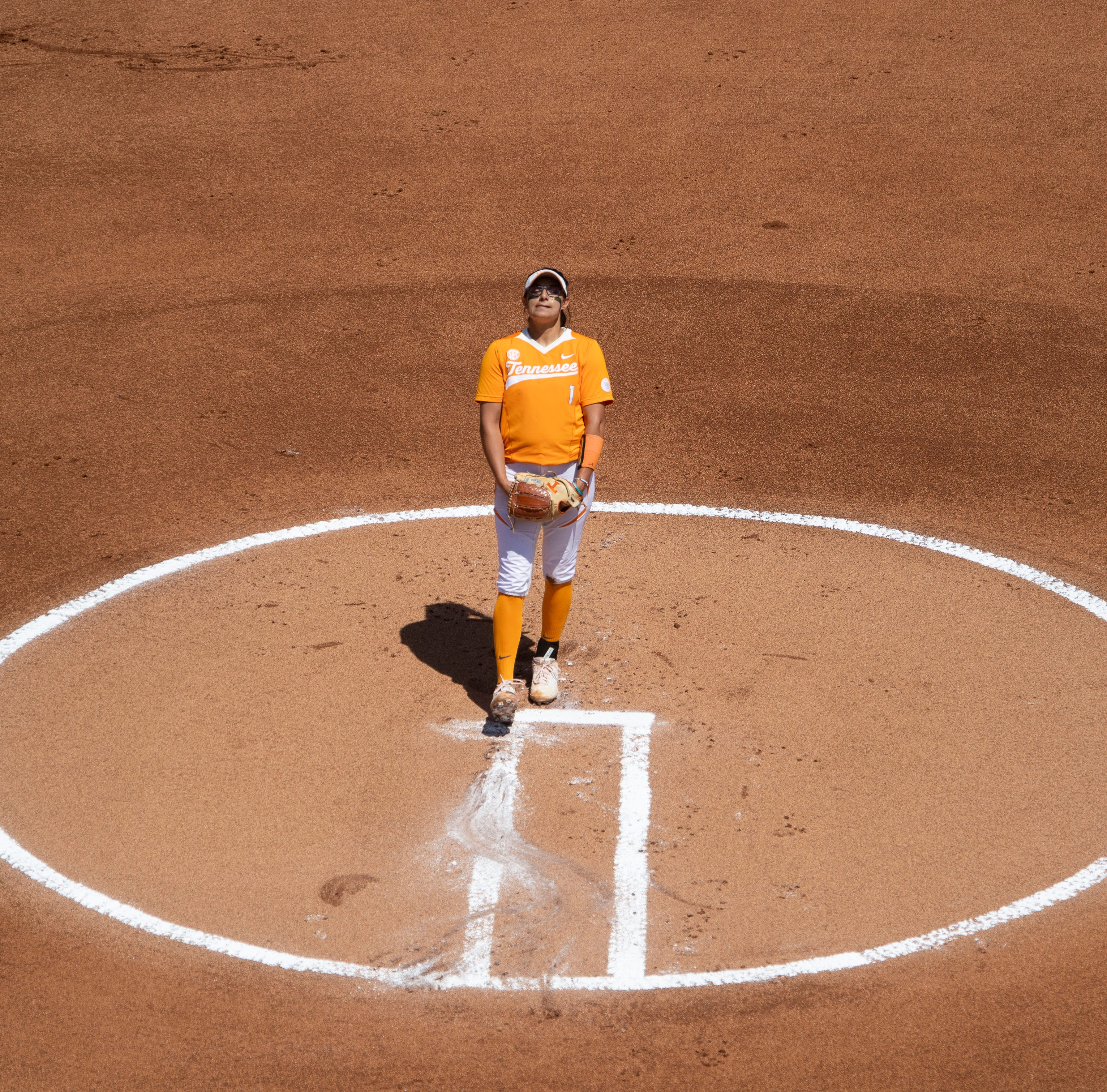 NCAA Softball Tournament: Lady Vols use most of the roster to advance to regional final