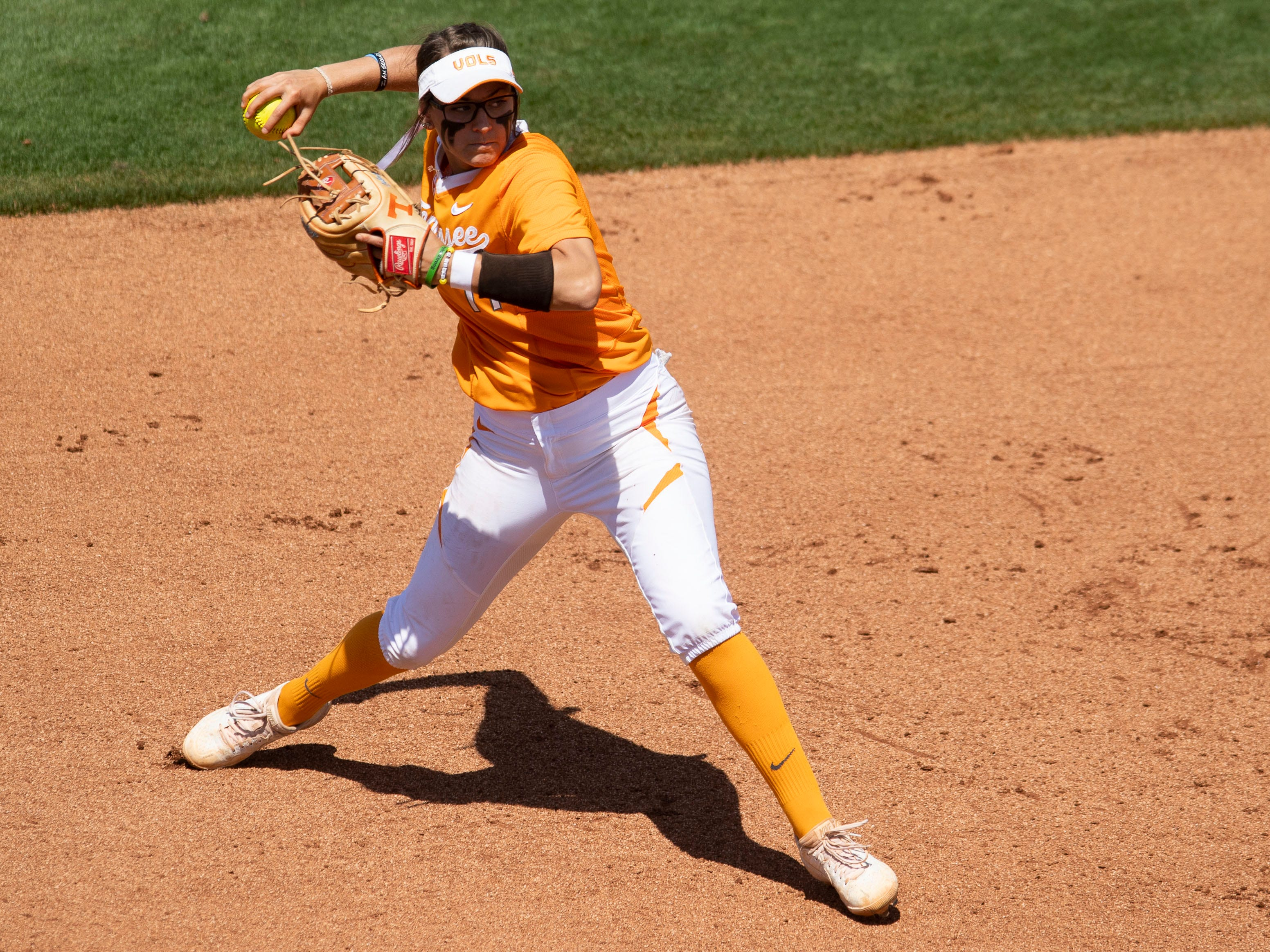 Tennessee's Gracie Osbron (77) on a throw to first in the game against Mississippi State at Sherri Parker Lee Stadium on Sunday, April 14, 2019.