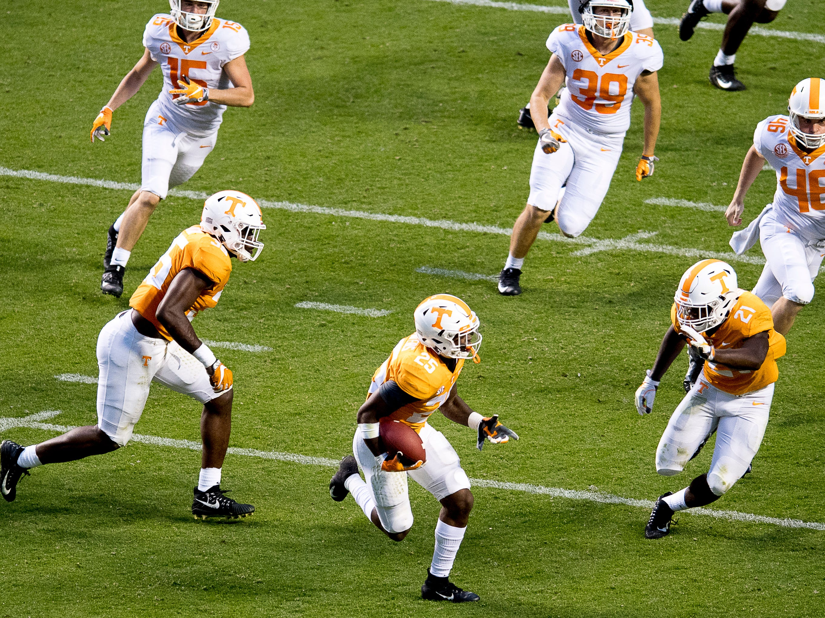 Tennessee defensive back Trevon Flowers (25) runs the ball down the field during the Tennessee Spring Game at Neyland Stadium in Knoxville, Tennessee on Saturday, April 13, 2019.