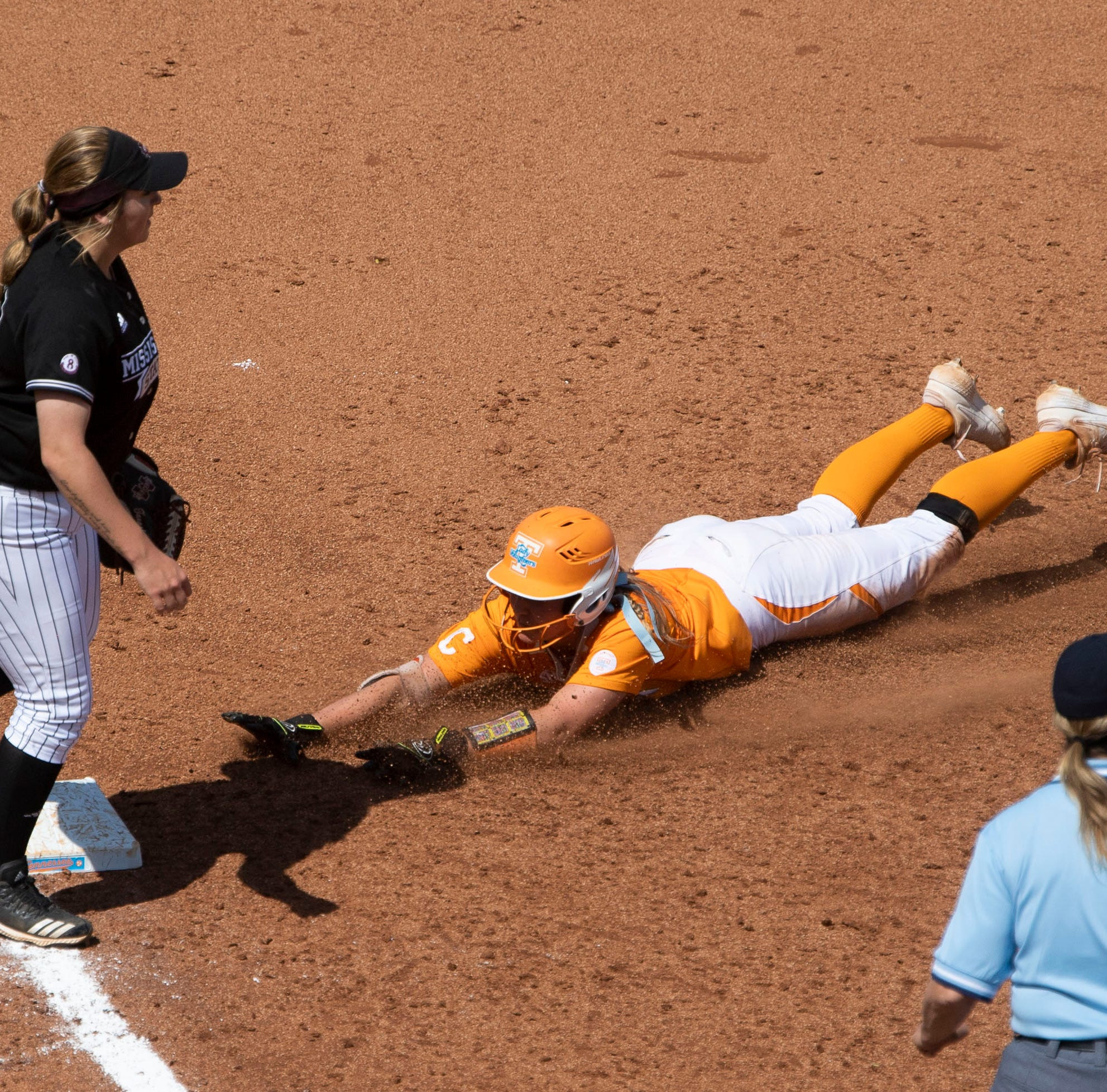 NCAA Softball Tournament: Chelsea Seggern hits two home runs to power Tennessee Lady Vols into winner's bracket