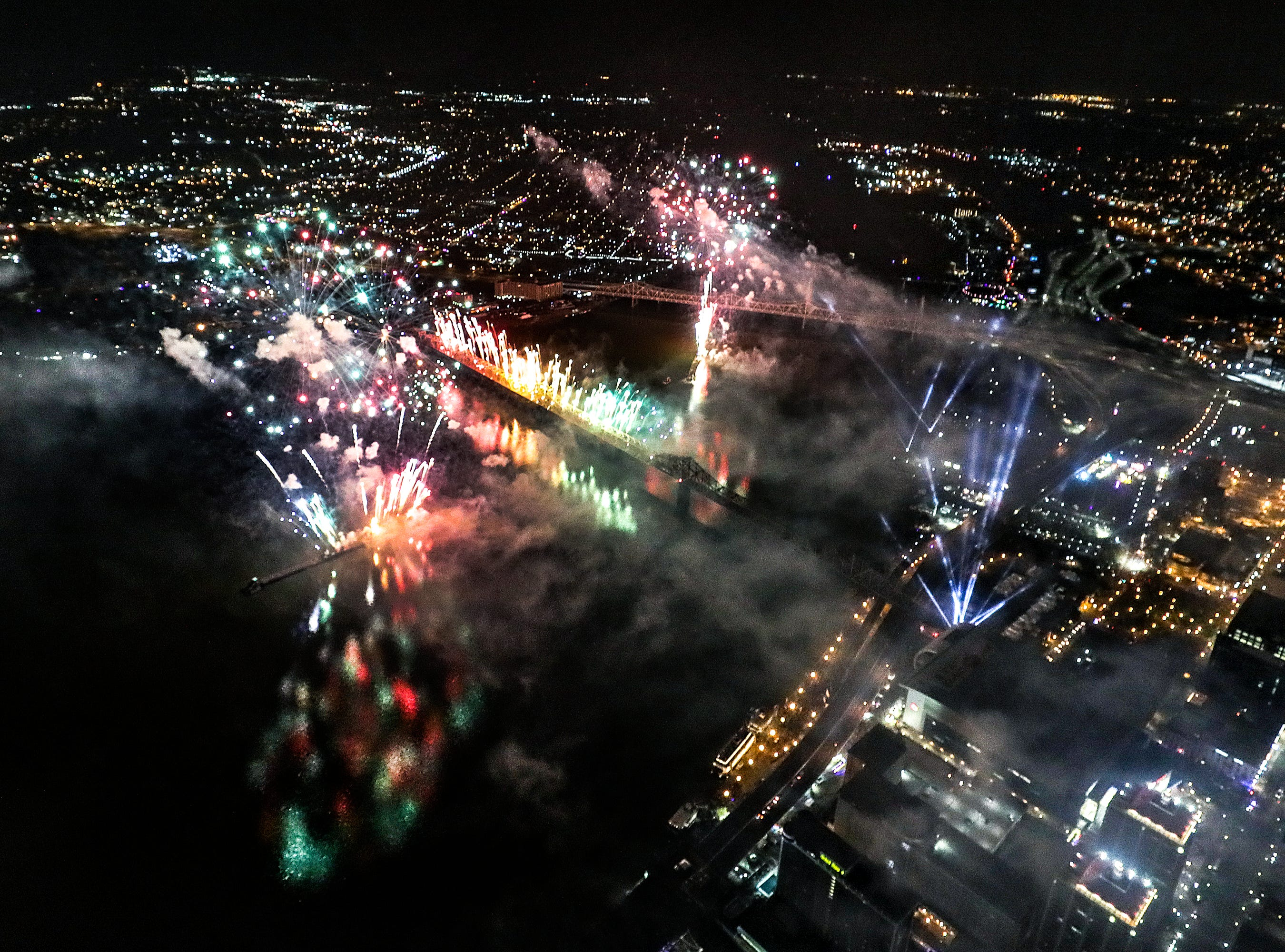 Fireworks light up Louisville and southern Indiana as Thunder Over Louisville kicks off the Kentucky Derby Festival.April 13, 2019