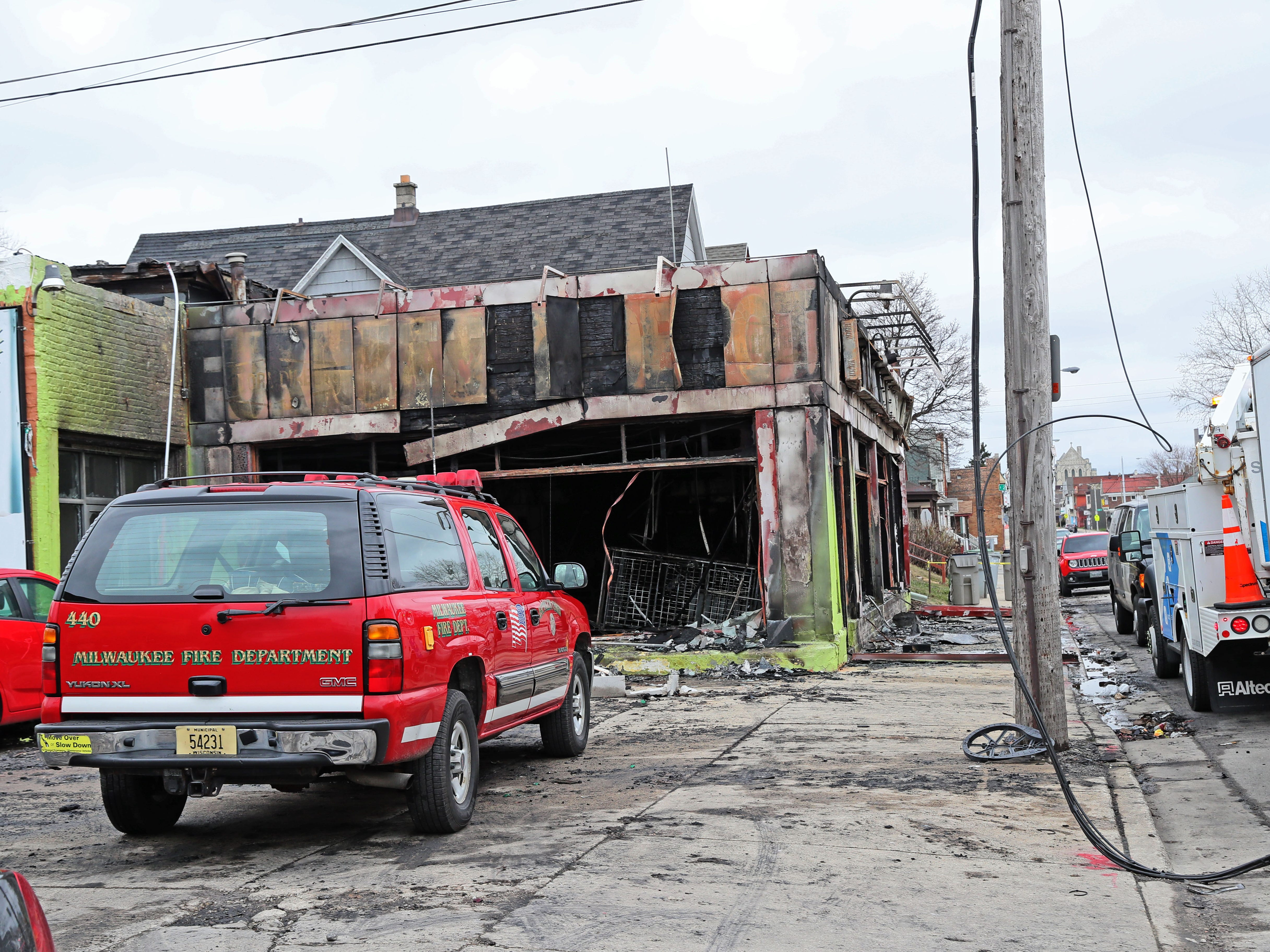 "A fire about 6:55 p.m. Saturday destroyed a furniture store at South 25th Street and West Lincoln Avenue in Milwaukee. The Fire Department said Sunday morning the furniture store was a ""total loss."""