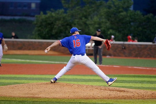 Louisiana Tech left-hander Logan Robbins held FAU scoreless through his 5.2-inning start on Saturday.