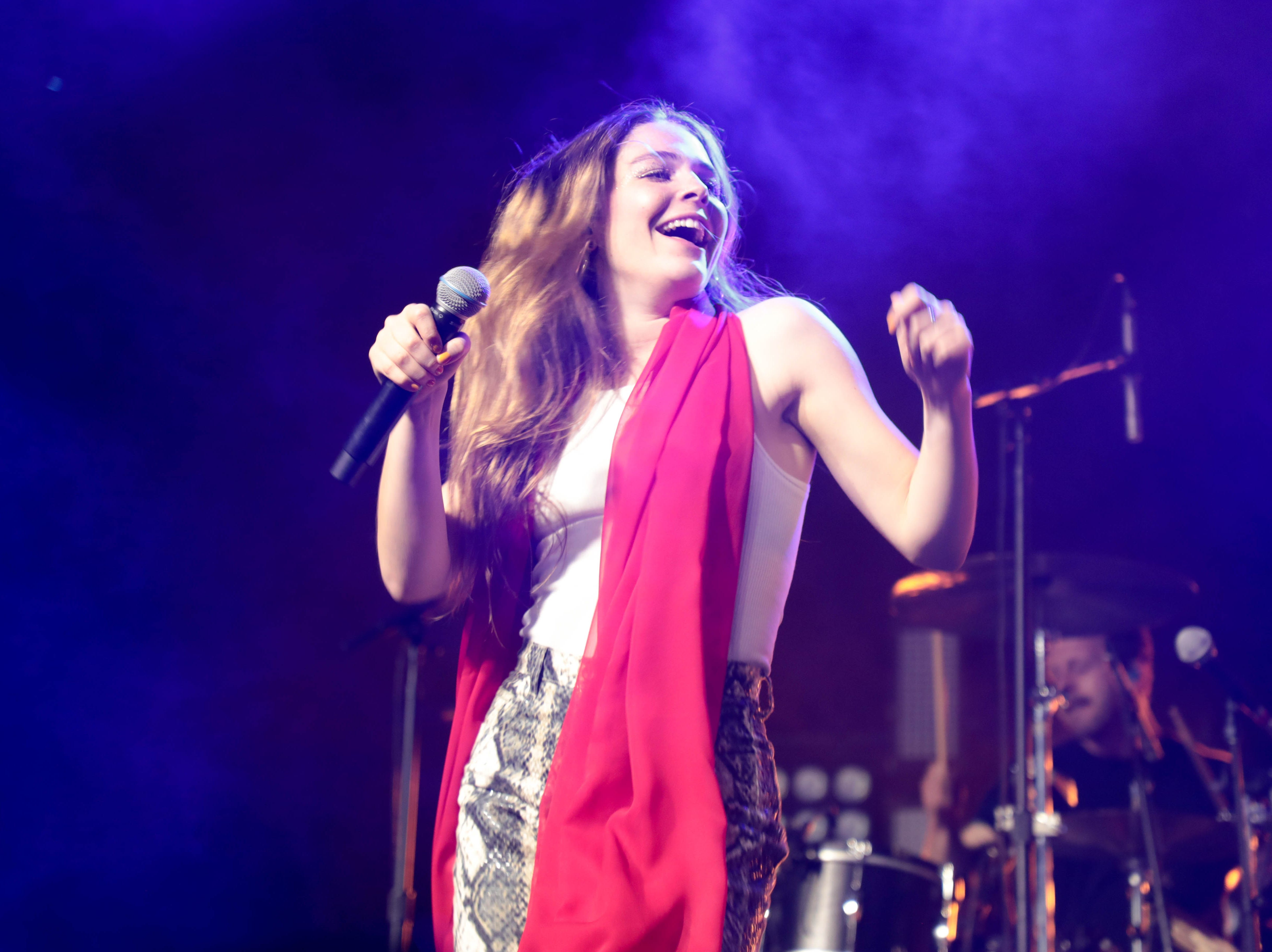 Maggie Rogers performs on Saturday, April 13, 2019 at Coachella Valley Music and Arts Festival in Indio, Calif.