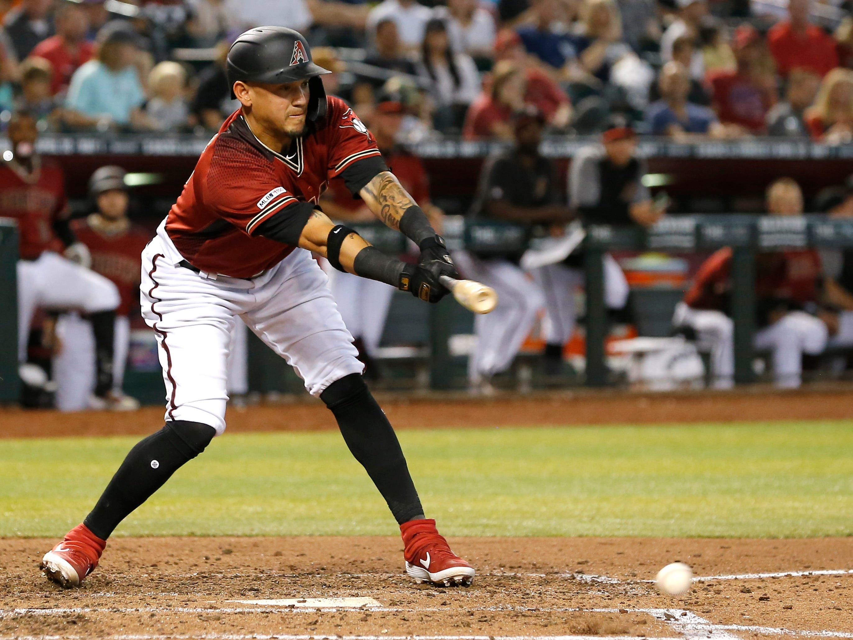 Arizona Diamondbacks second baseman Ildemaro Vargas (15) in the first inning during a baseball game against the San Diego Padres, Sunday, April 14, 2019, in Phoenix. (AP Photo/Rick Scuteri)