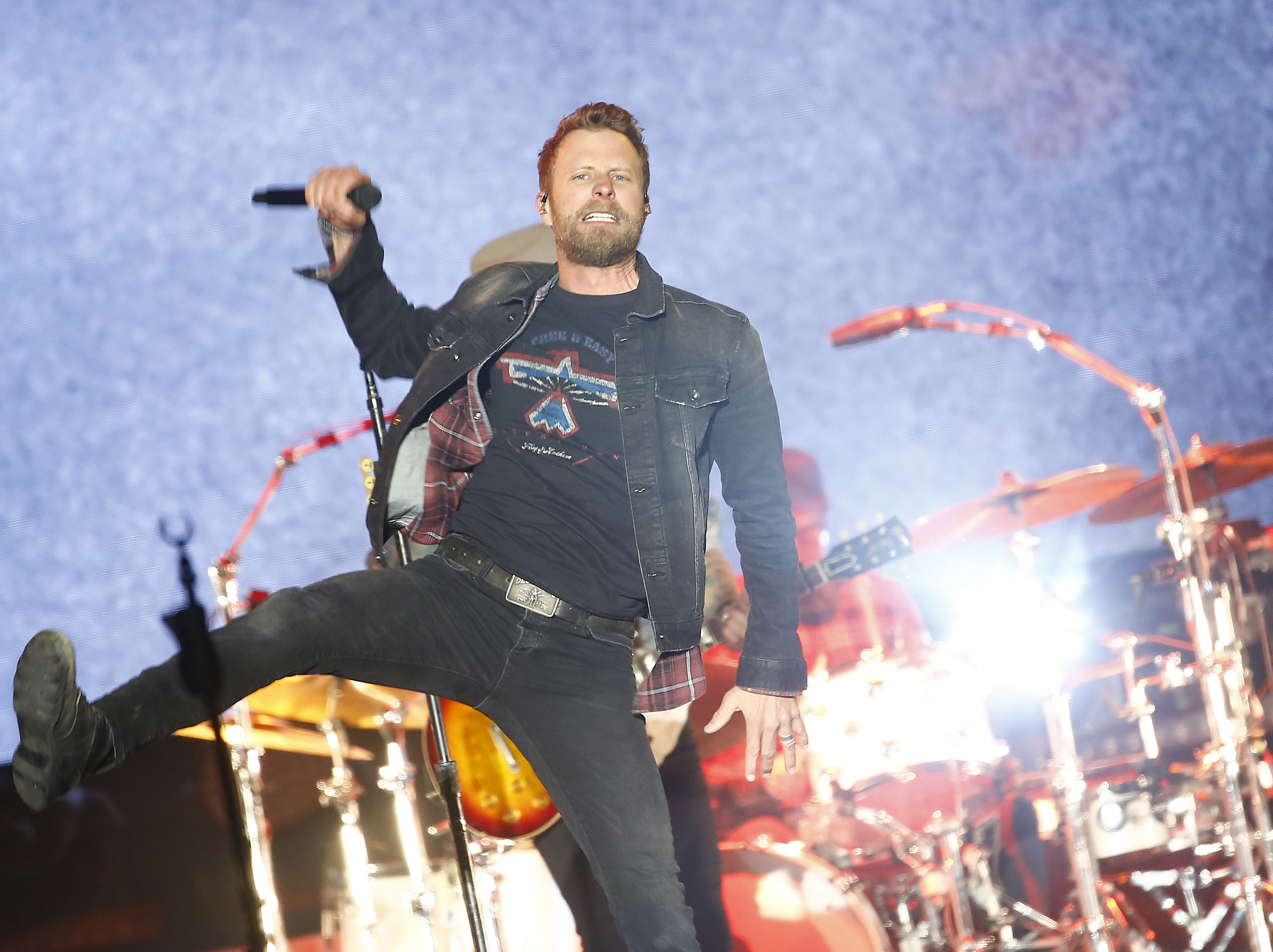 "Dierks Bentley performs ""Burning Man"" with Brothers Osborne during Country Thunder in Florence, Ariz. on Saturday, April 13, 2019."