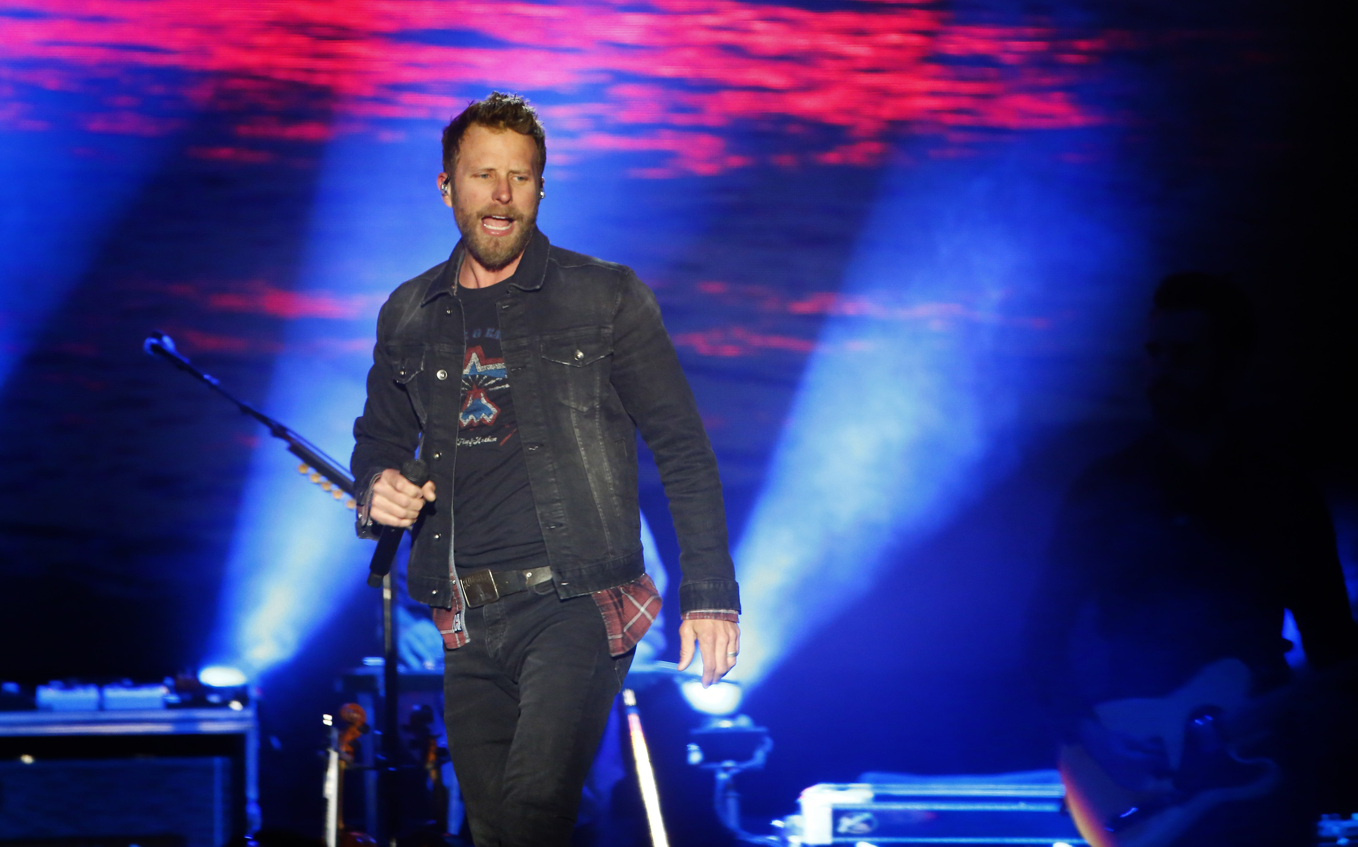 Dierks Bentley's Country Thunder homecoming was rowdy and reflective