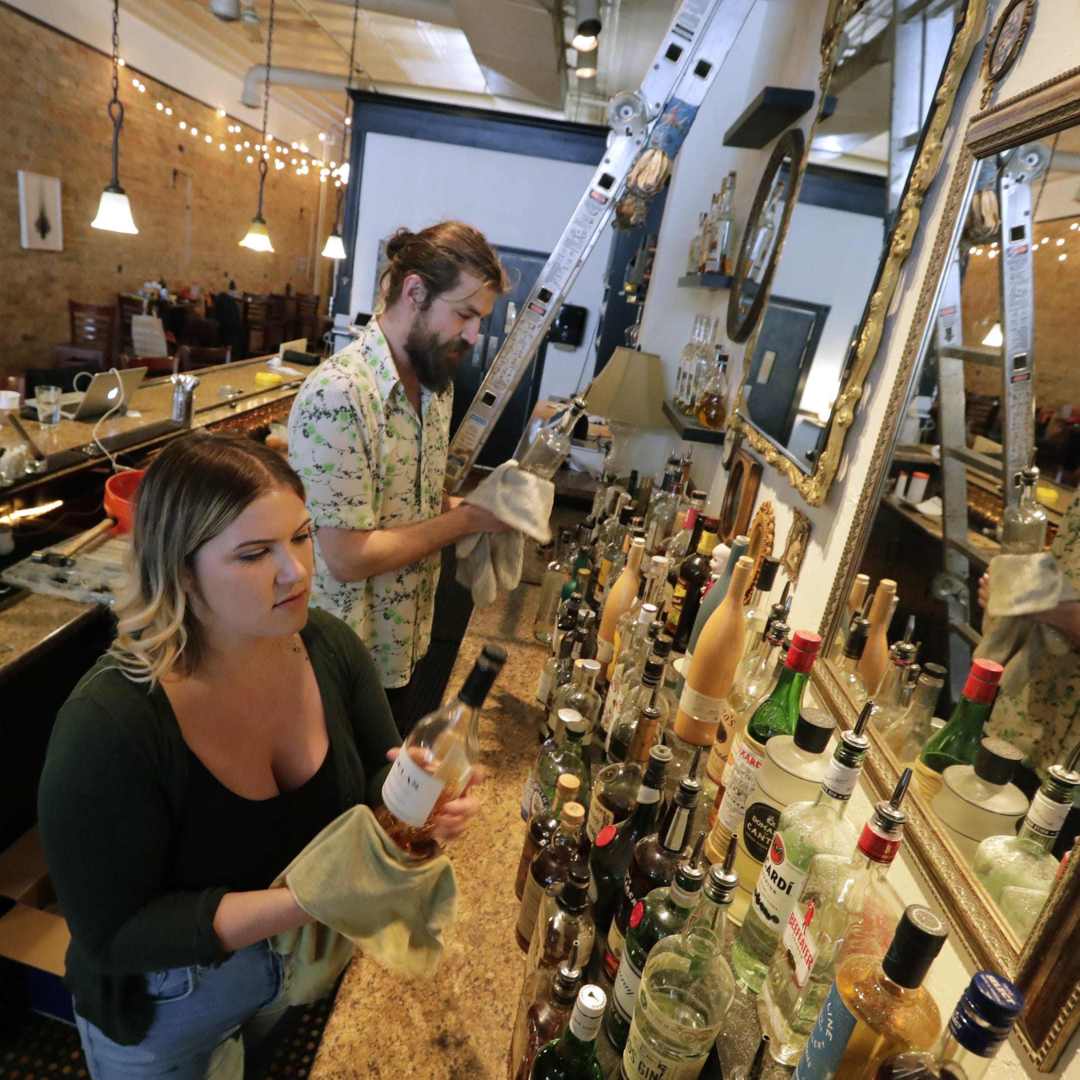 The Buzz: Nice Time to open Thursday in Appleton