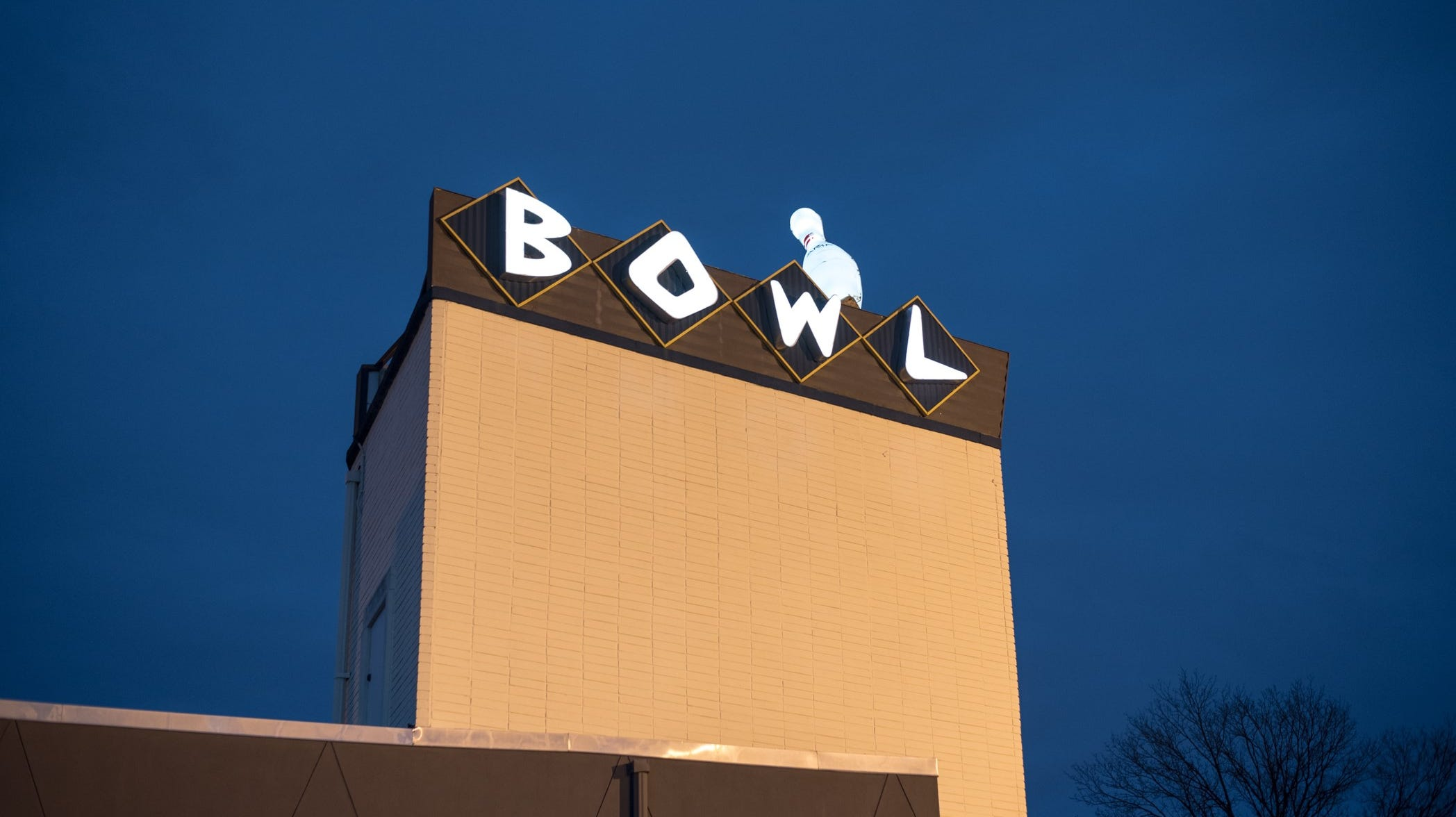 Craft brewers hit Pinsetters for first Brewers Bowl smackdown