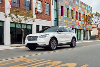 Luxurious interior and driver assistance features figure large in replacement for Lincoln MKC