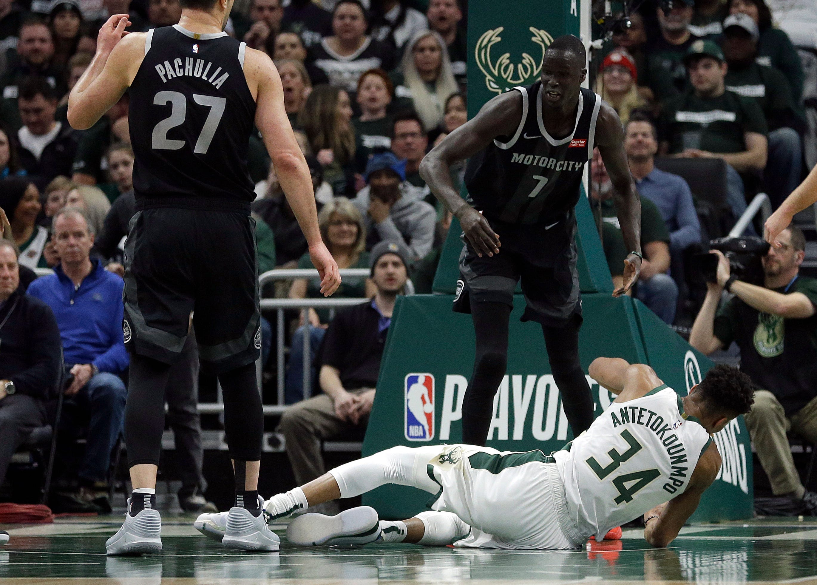 Pistons' Maker rattled by Game 1 play and Bucks fans' reception