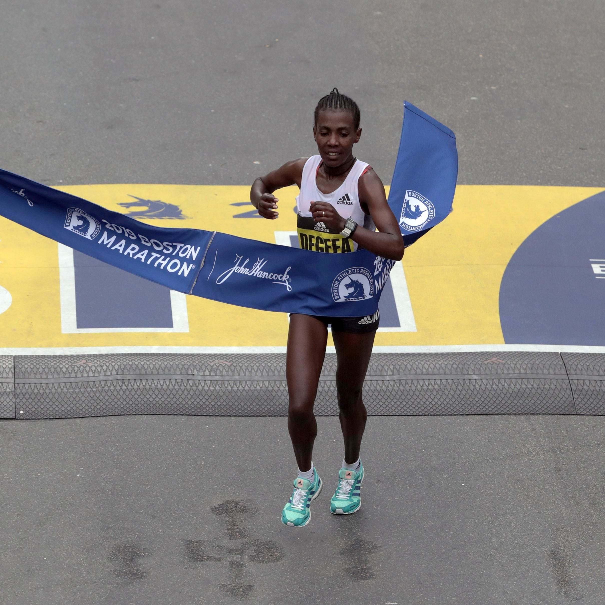 Worknesh Degefa runs away with women's Boston Marathon; Michigan's Des Linden 5th