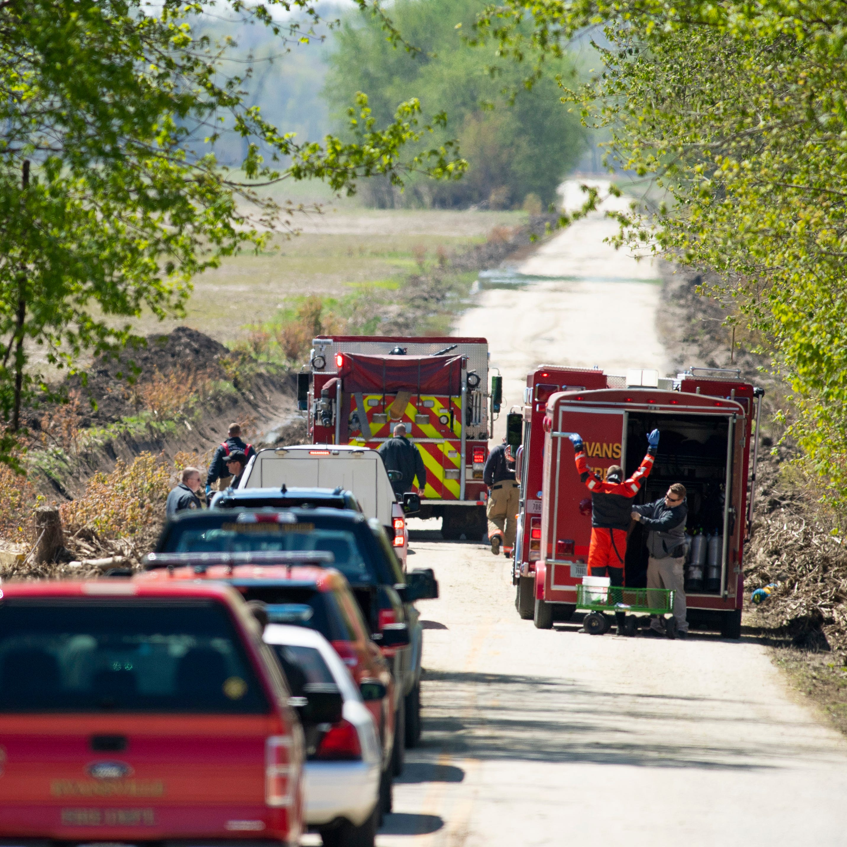 While investigating missing person, Evansville rescue workers find dead body