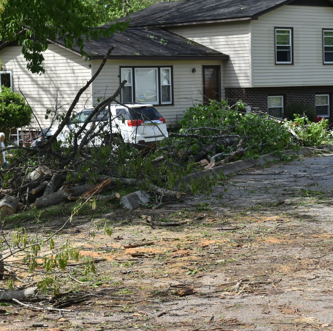 National Weather Service assesses Simpsonville tornado damage, residents remain without power
