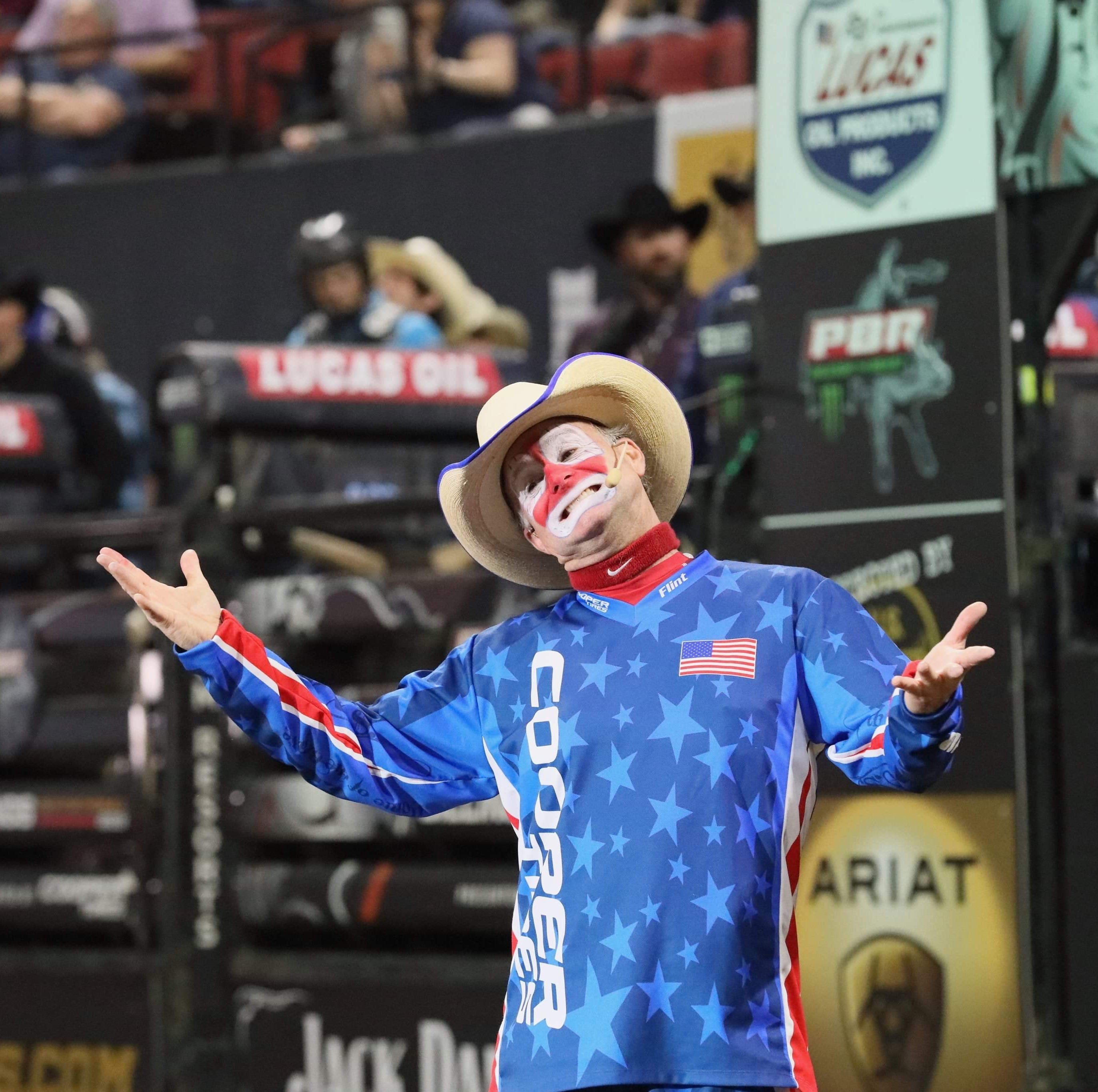 Recovering Vezain, funnyman Rasmussen help make memorable weekend for bull riding fans