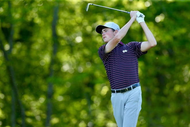 Playing in his first Old Waverly Collegiate Championship on Monday, Mississippi State freshman Ford Clegg fired a 3-under 69 to put himself into the top-10 after the first round.