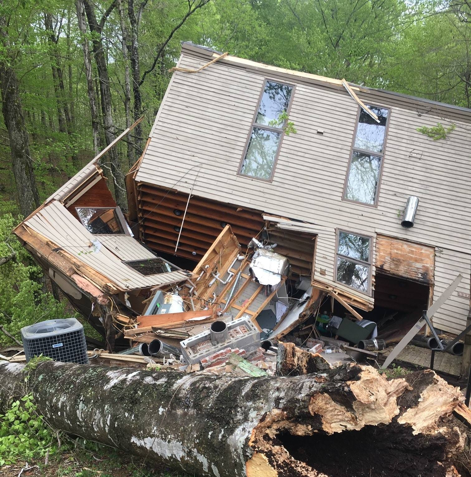Tree crushes cabin with six people inside at Lake Cumberland State Resort