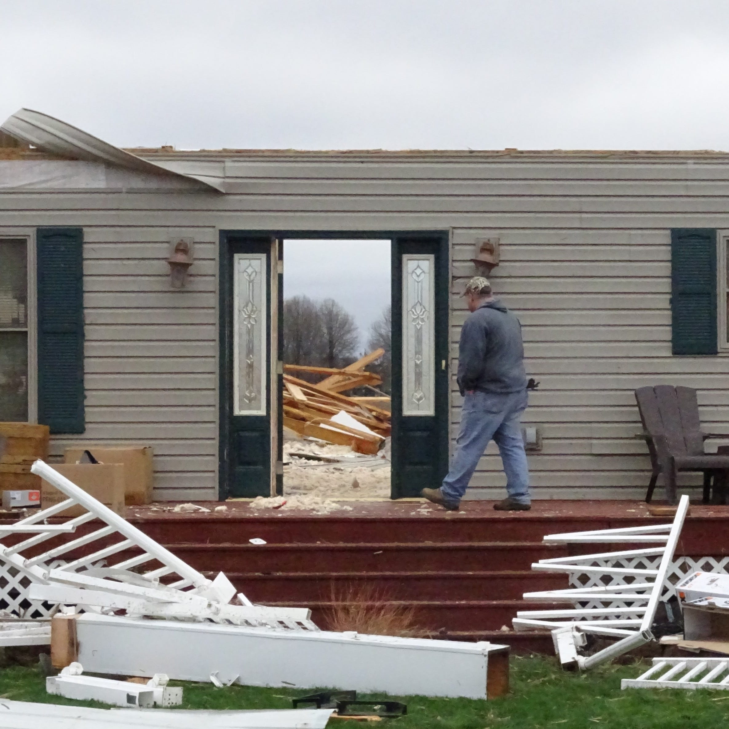 'This thing was humongous': Shelby residents grateful they survived tornado