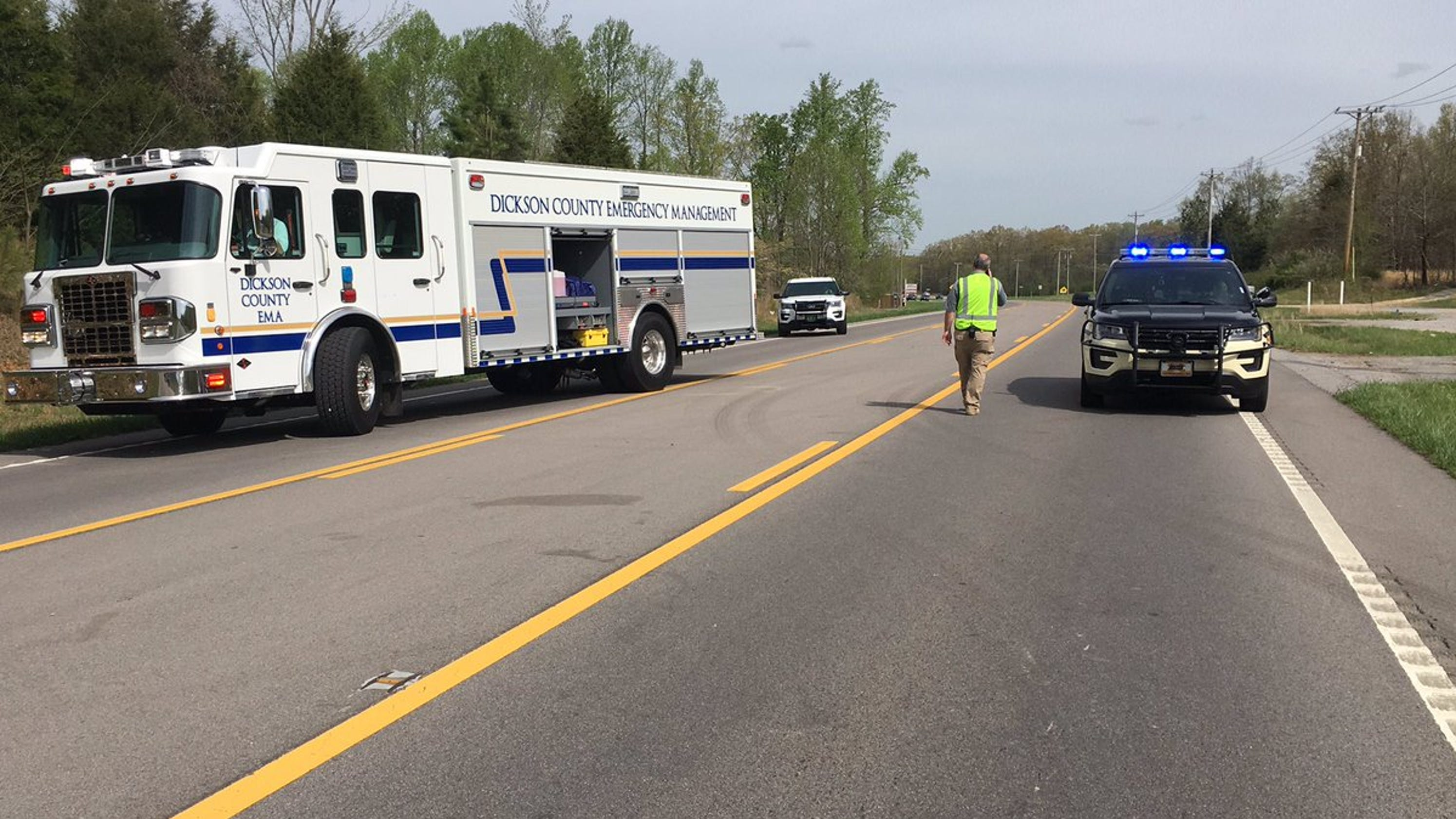 Two infants survive head-on, fatal crash in Dickson Co