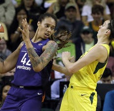 Breanna Stewart EuroLeague injury will have immediate and big-picture impact on WNBA