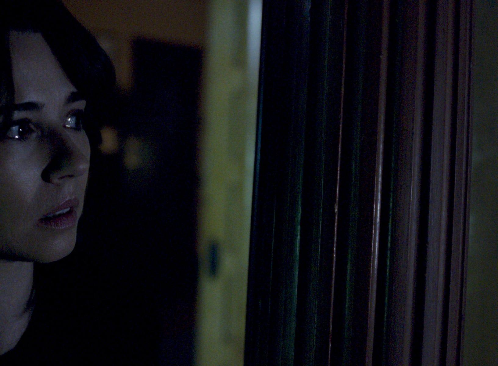 """Anna (Linda Cardellini) is spooked in """"The Curse of La Llorona."""""""