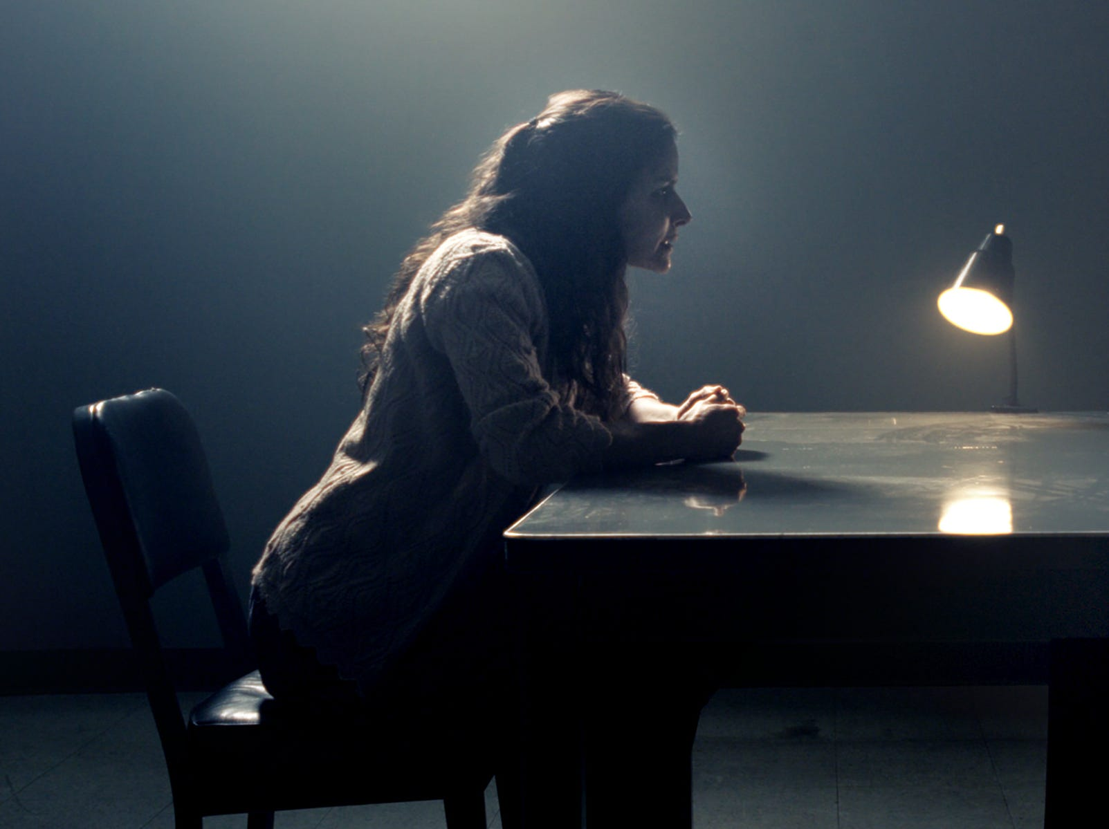"In ""The Curse of La Llorona,"" Patricia (Patricia Velasquez, left) and Anna (Linda Cardellini) talk."