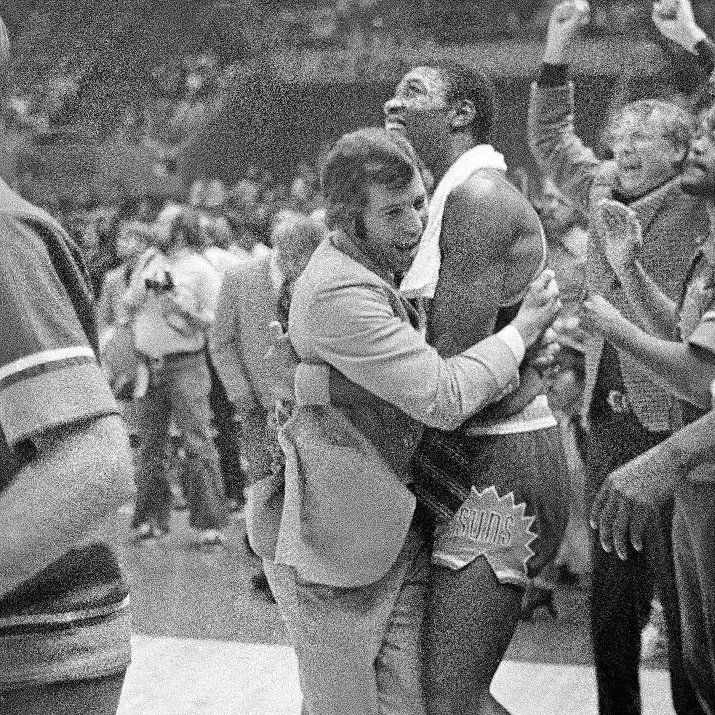 Remembering John MacLeod, legendary head coach of the Phoenix Suns