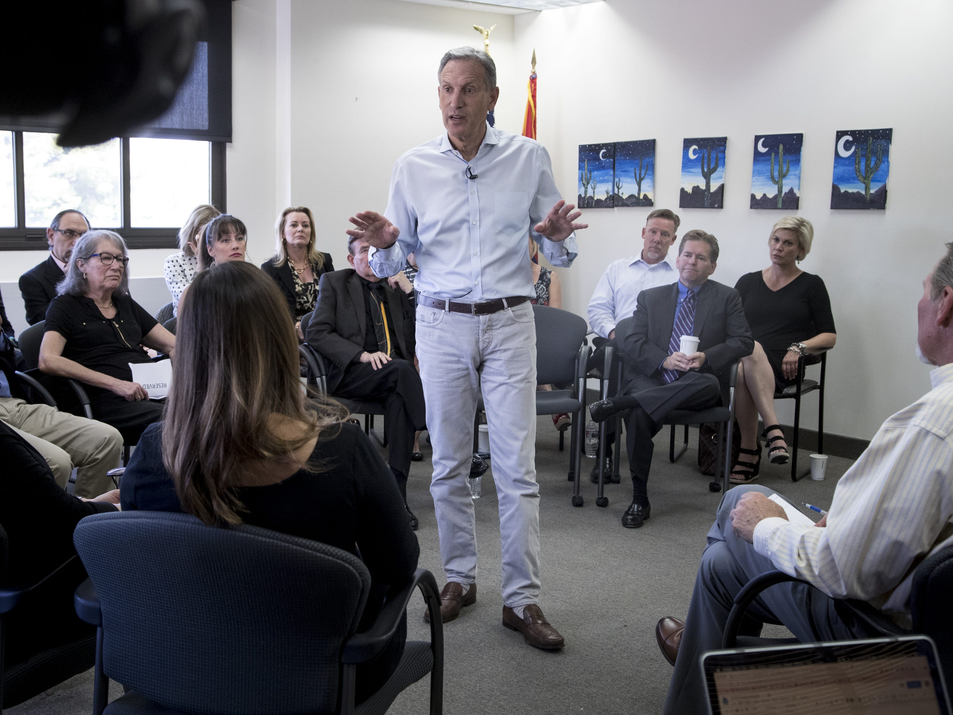 Howard Schultz talks during a town hall meeting on April 15, 2019, at the Scottsdale Area Chamber of Commerce in Scottsdale.