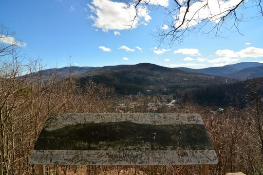 Another view of Phoenicia Overlook from the Tanbark Loop.
