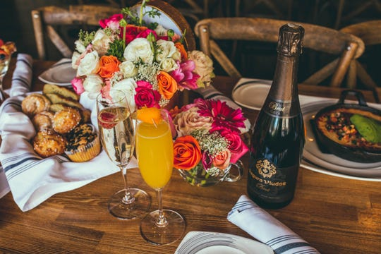 For Easter brunch 2019, Roundabout Grill in Whitney Peak Hotel is offering a three-course prix fixe menu that can be ordered with or without sparkling wine or mimosas.