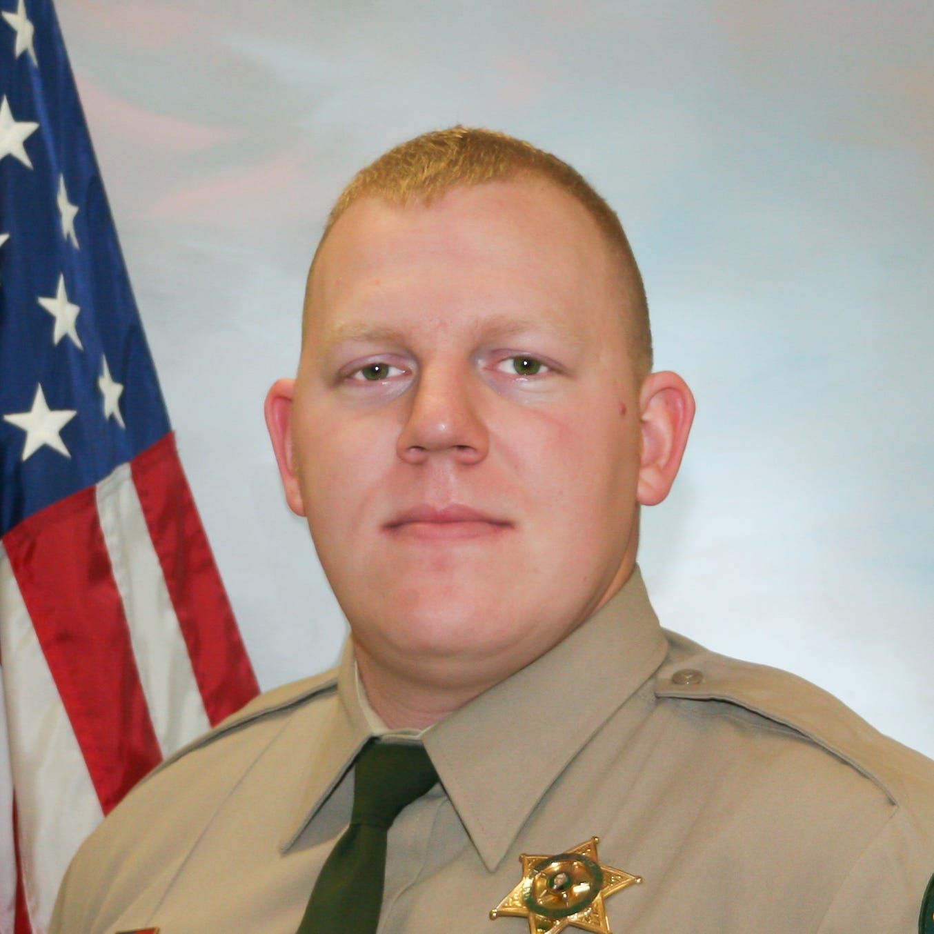 Cowlitz County Deputy Justin DeRosier fatally shot during traffic stop