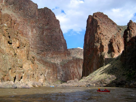 Boating on the Owyhee River between Rome and Leslie Gulch in southeastern Oregon.